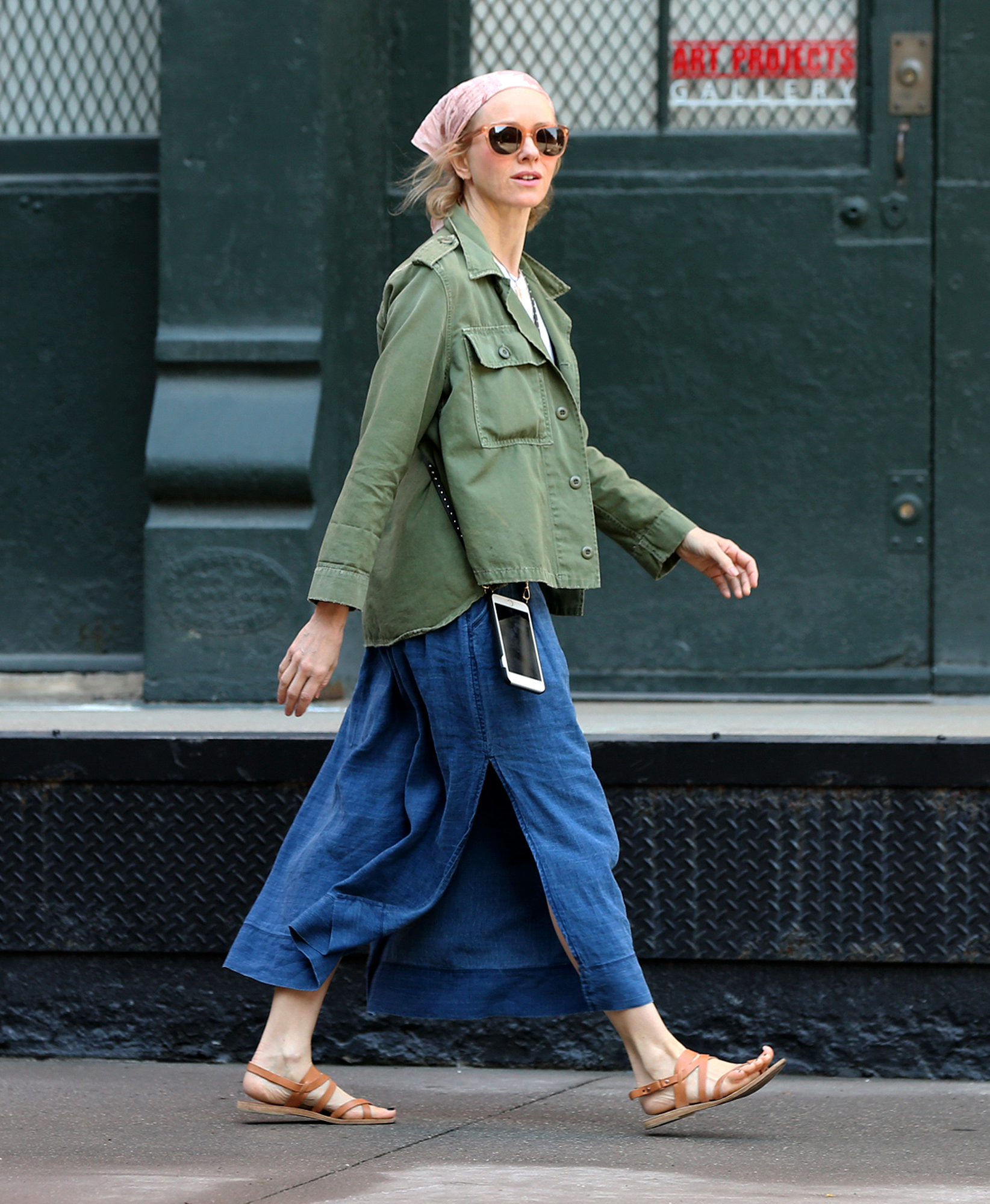 EXCLUSIVE: Actress Naomi Watts, wearing a gypsy-inspired style, walks home in New York City