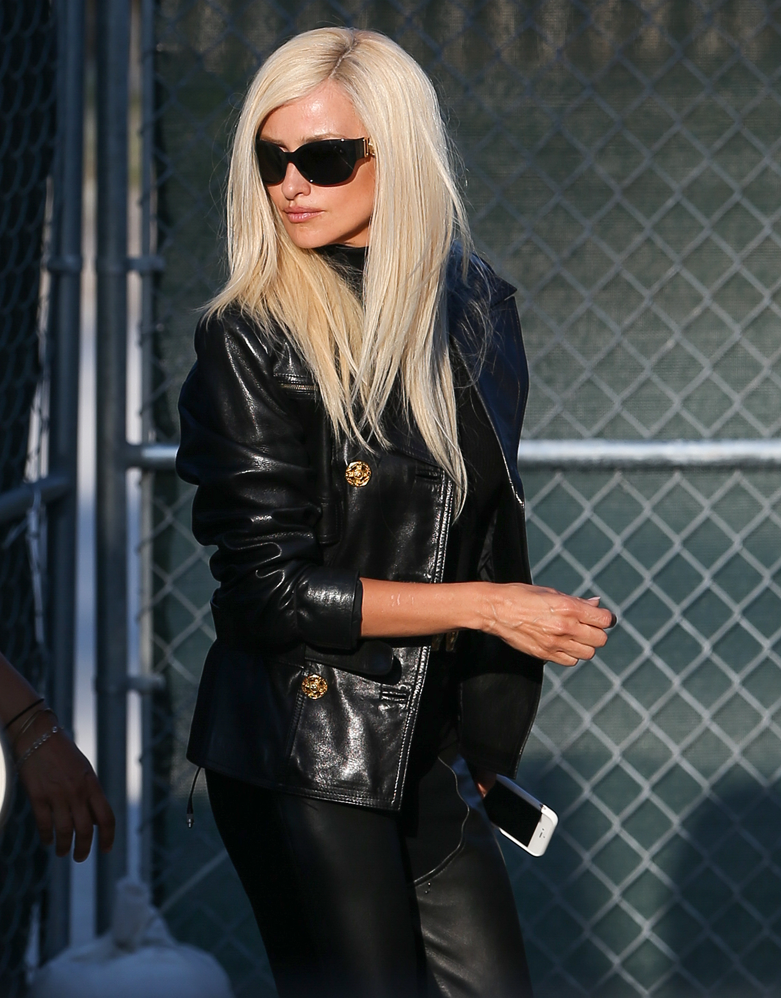 Penelope Cruz sports a blonde wig as she plays Donatella Versace on the set of 'Versace: American Crime Story' in Miami