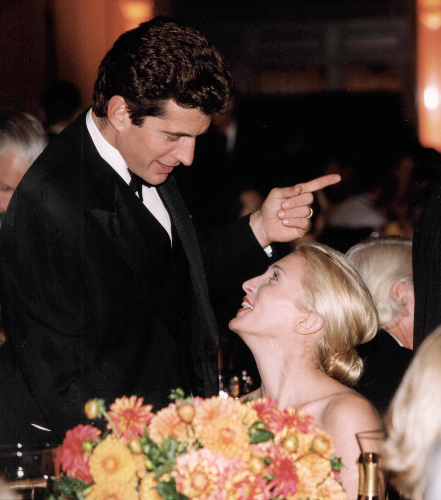 John Kennedy Jr & His Wife Carolyn Bessette Kennedy