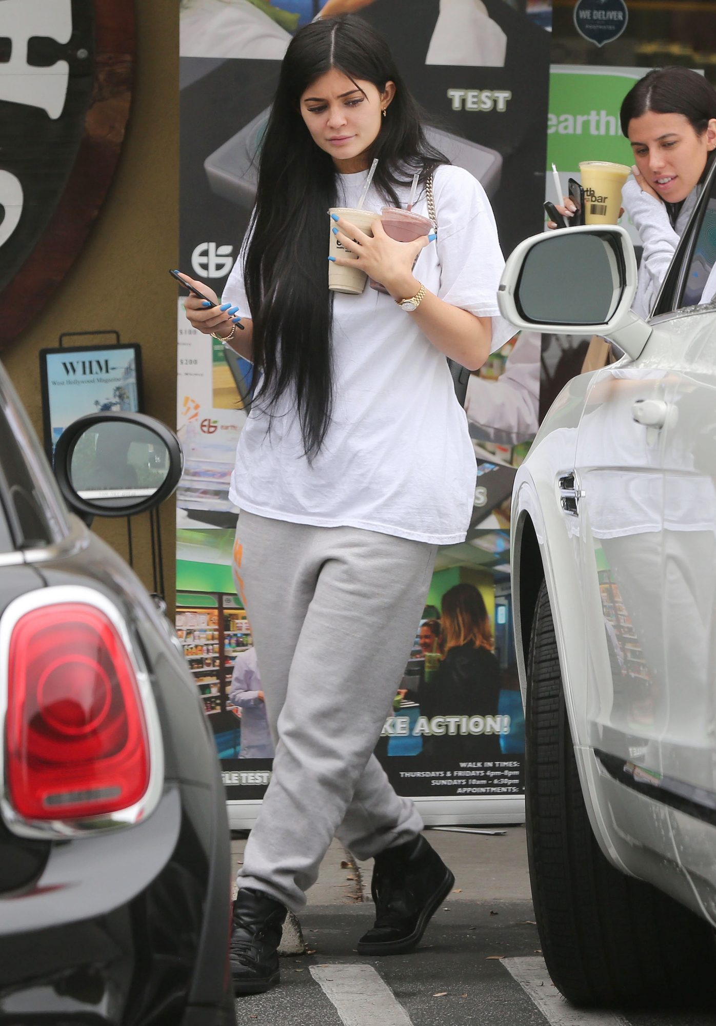 *EXCLUSIVE* Kylie Jenner keeps it casual while picking up smoothies