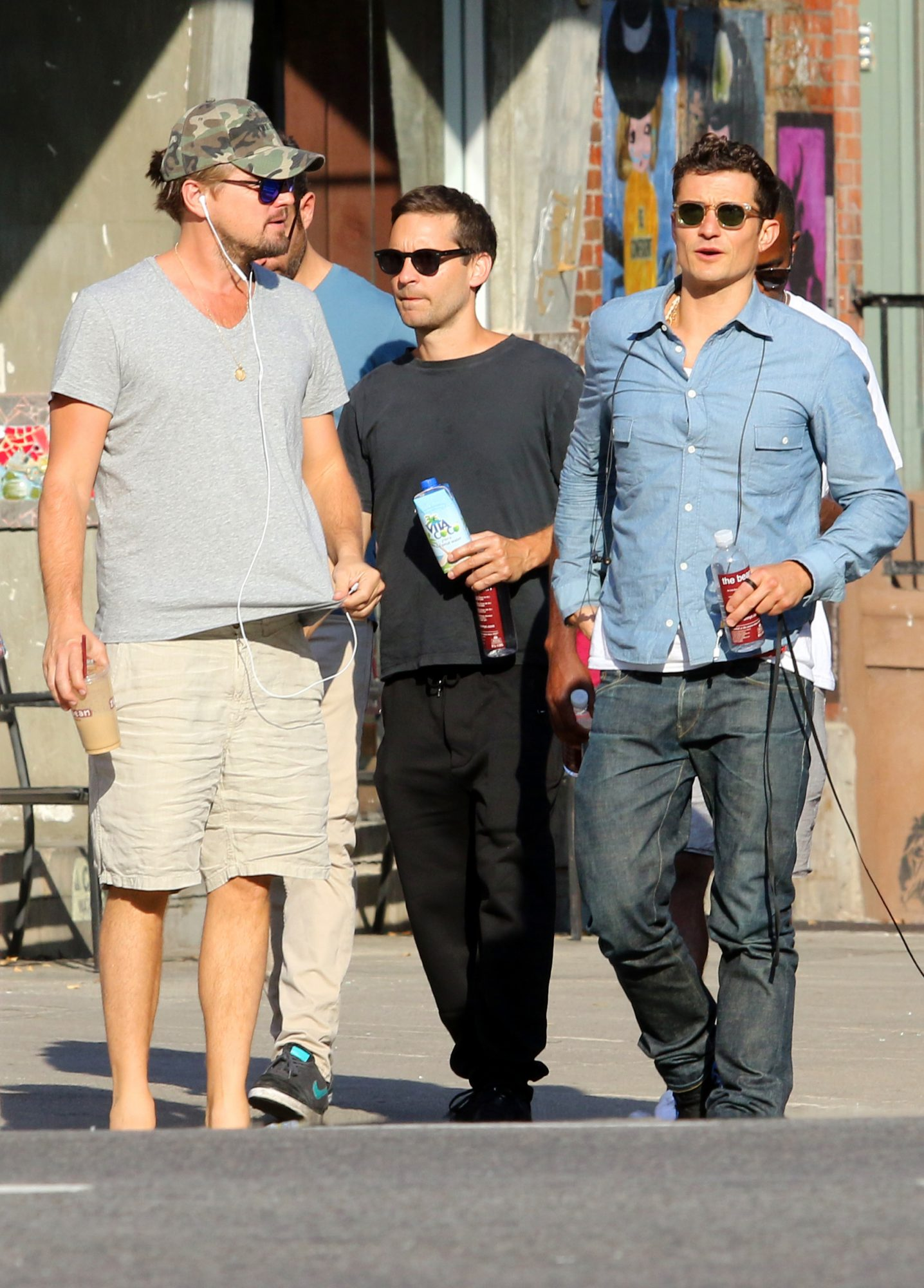 Leonardo DiCaprio, Tobey Maguire and Orlando Bloom meet up and hang out in NYC