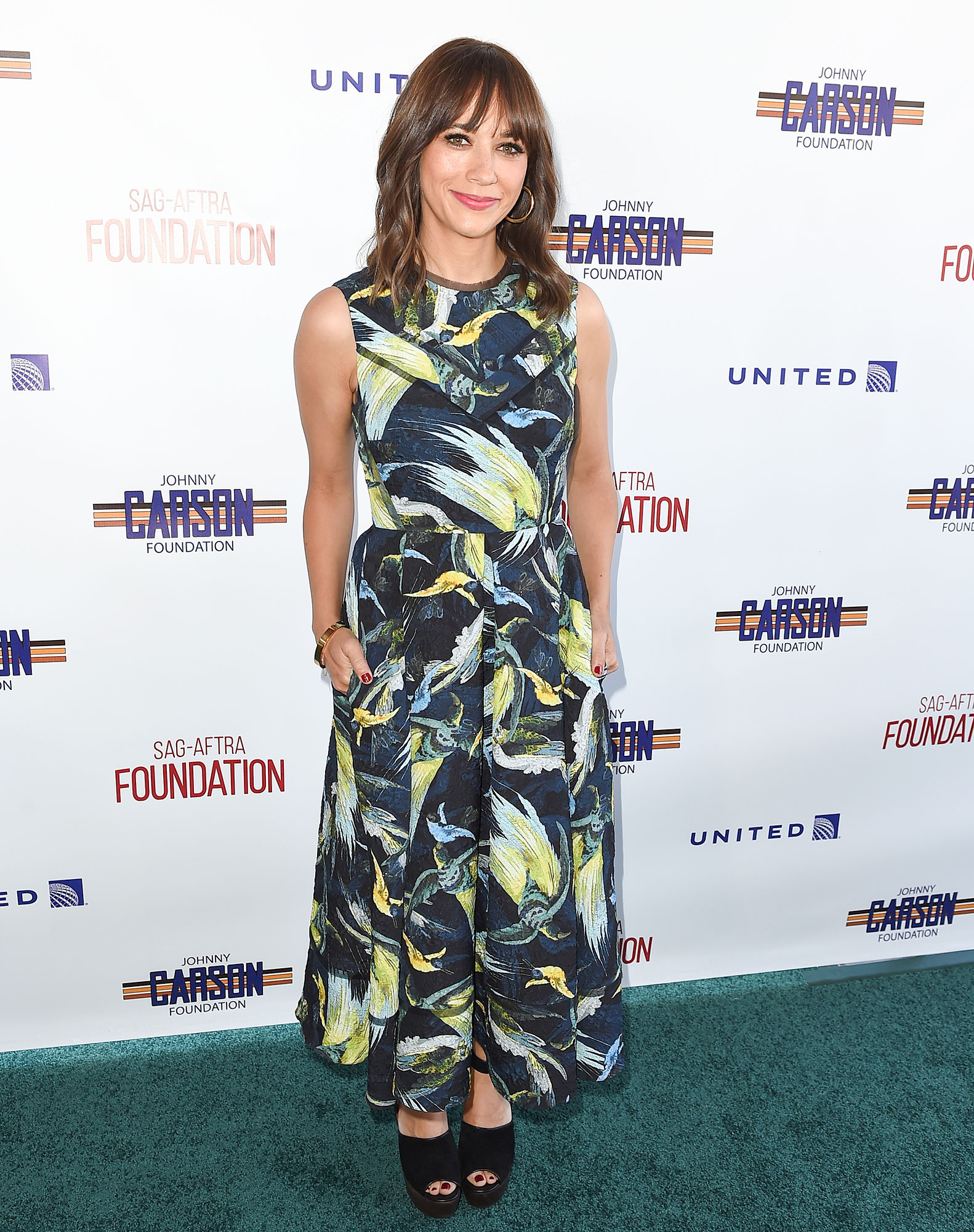 SAG-AFTRA Foundation Honors Rashida Jones with Actors Inspiration Award at 8th Annual L.A. Golf Classic Fundraiser