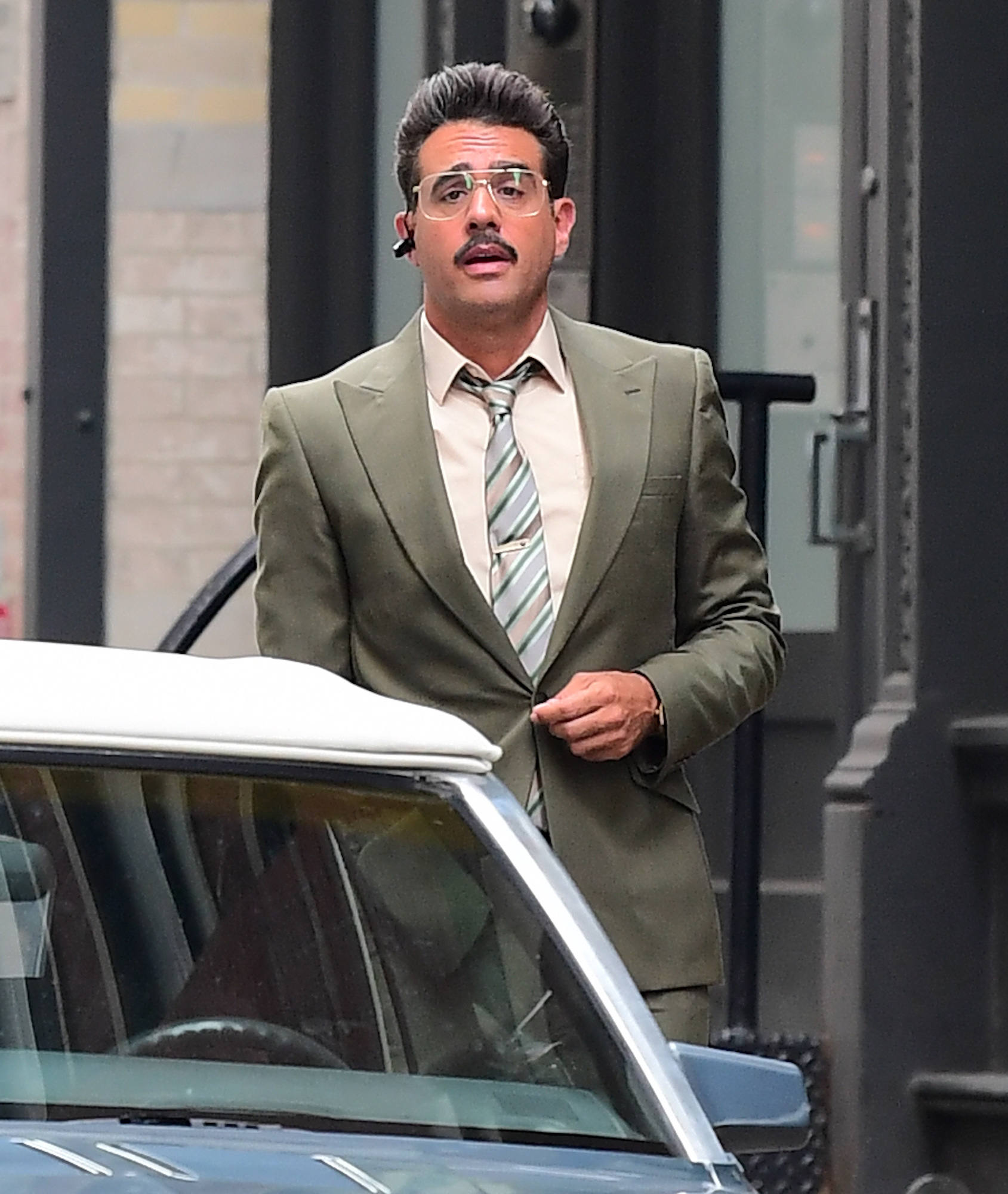 """Bobby Canavale Gets into Character as he Films """"Mr. Robot"""" in NYC"""