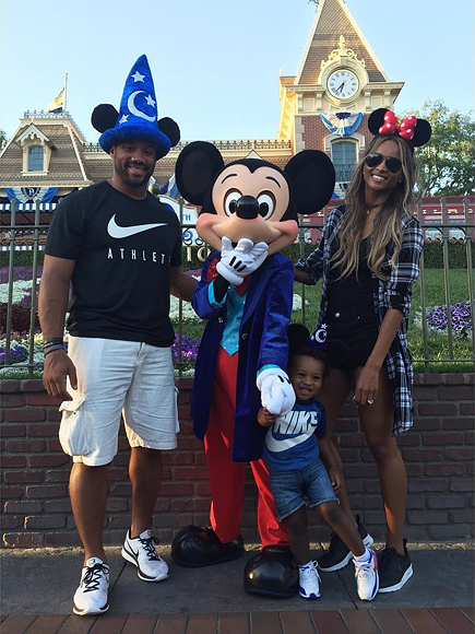 MARCH 2016: CELEBRATING AT DISNEYLAND AS A FAMILY