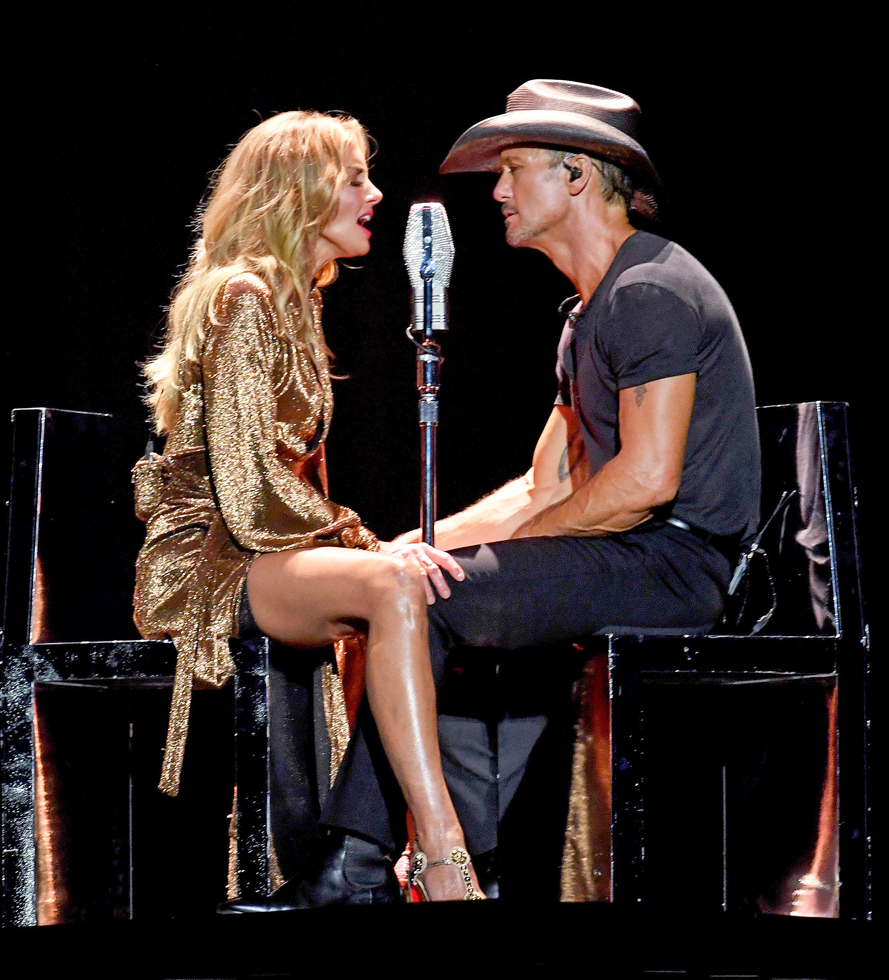 ***BESTPIX*** Tim McGraw And Faith Hill Perform At Staples Center