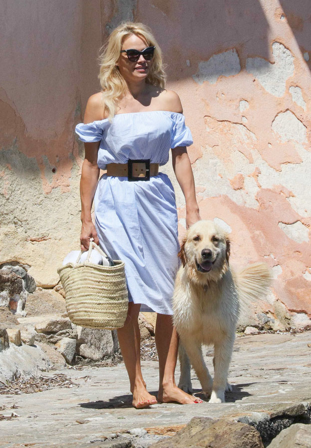Pamela Anderson on her way to beach in St Tropez