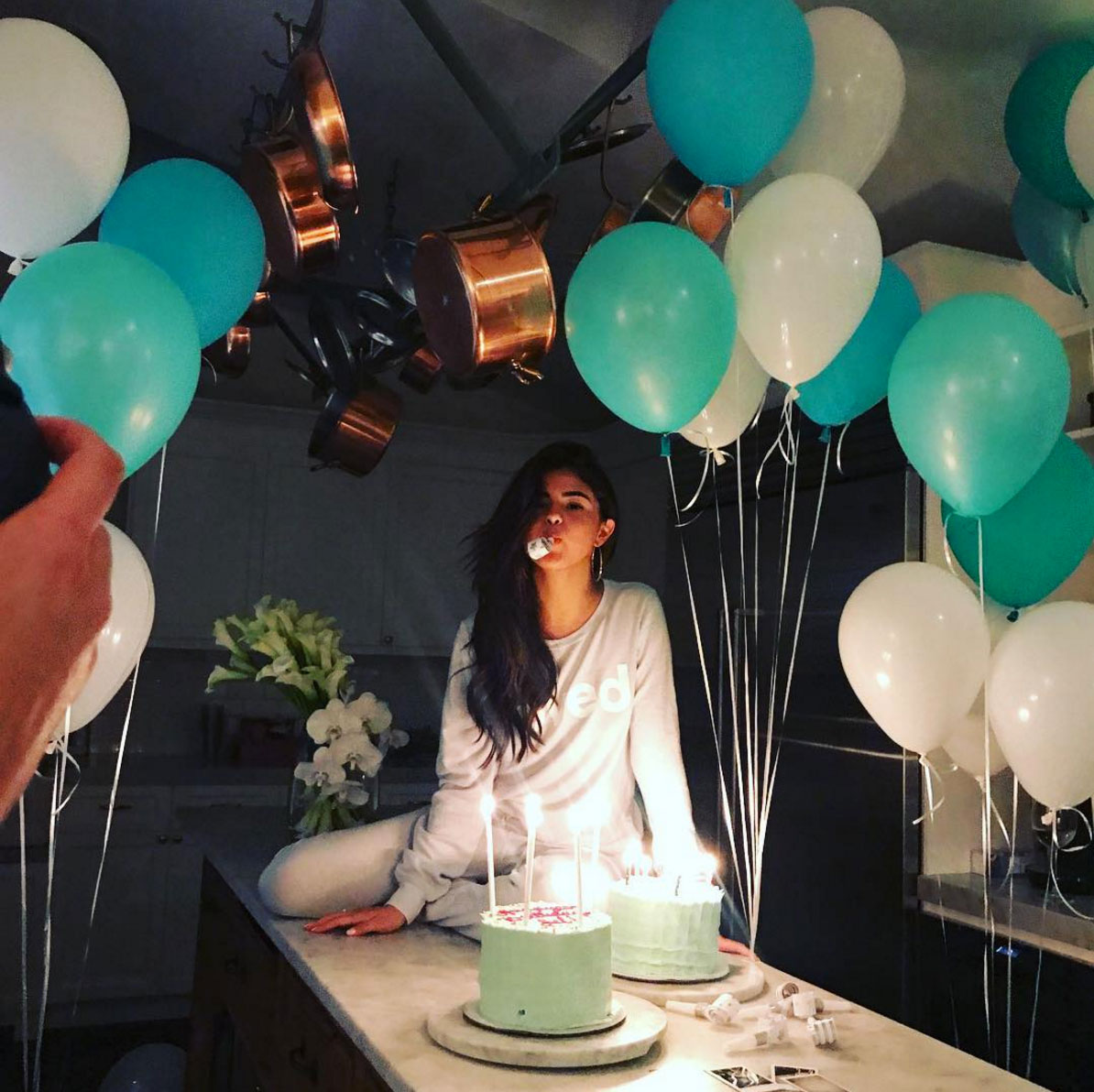 Super Selena Gomez Celebrates 25Th Birthday In Intimate Party People Com Funny Birthday Cards Online Inifodamsfinfo