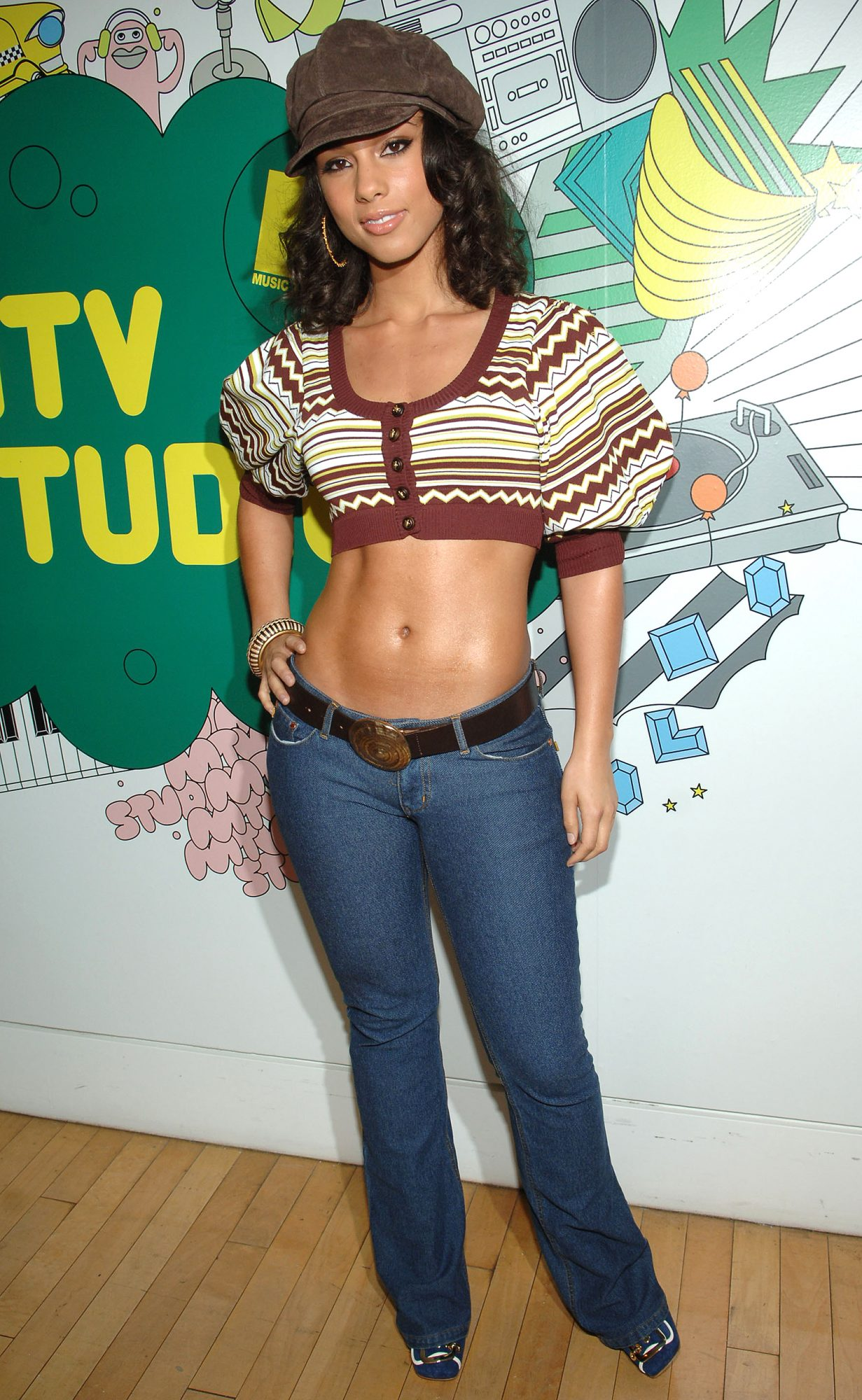"""Alicia Keys, Evangeline Lilly, Josh Lucas and the Cast of """"Glory Road"""" Visit MTV's """"TRL"""" - January 11, 2006"""
