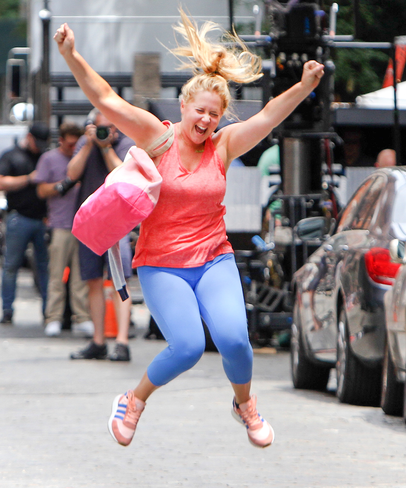 """Amy Schumer excited to leave 'Soul Cycle' at the """"I Feel Pretty"""" movie set in NYC"""