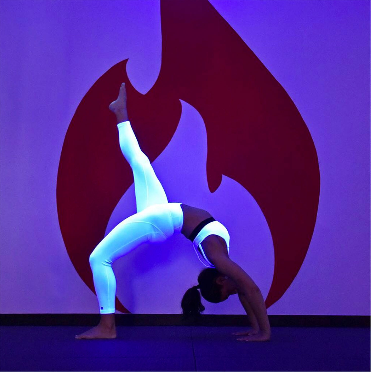 glow-in-the-dark-yoga