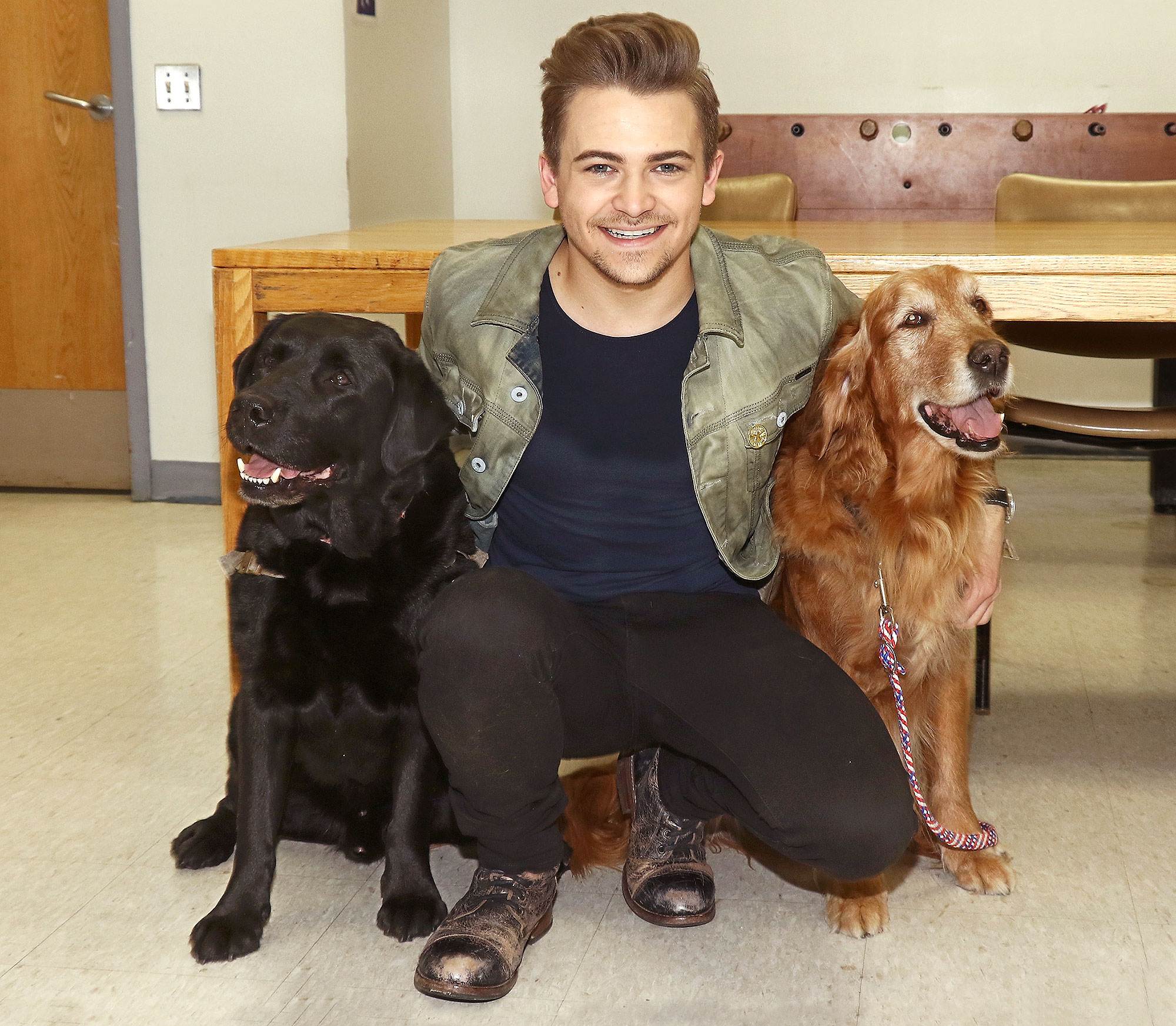 hot-guys-with-dogs-3