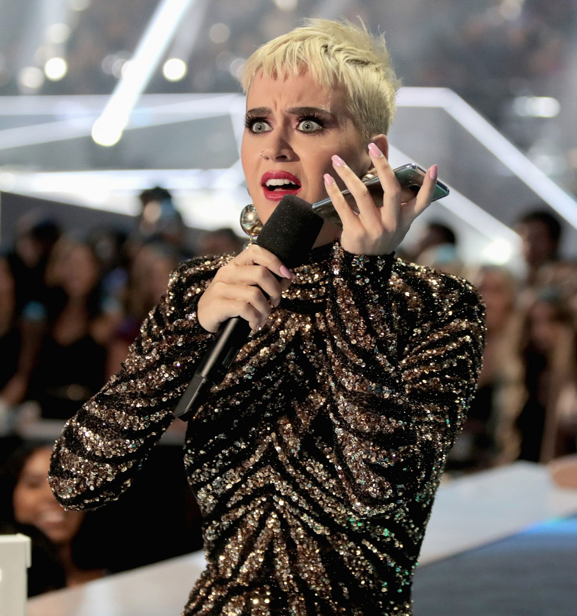 katy-perry-vma-outfits-7