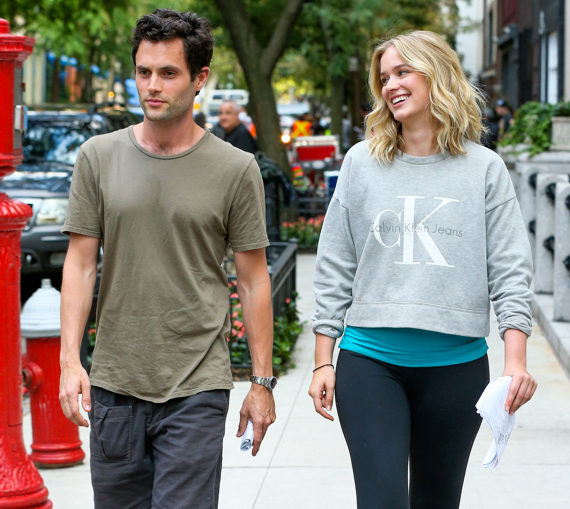 EXCLUSIVE: First shots of actor Penn Badgley and Elizabeth Lail as they walk to set on the Lifetime TV series 'You' filming by Gramercy Park in New York City