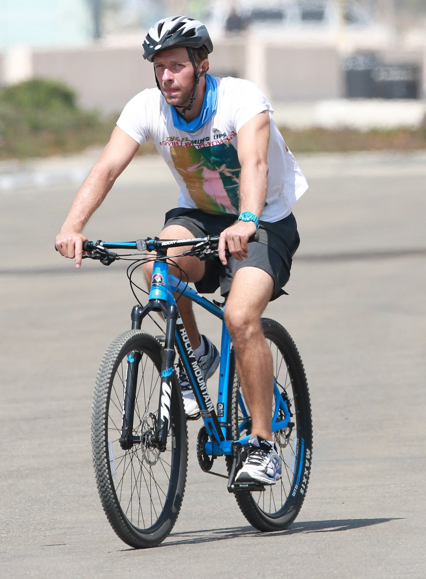 EXCLUSIVE: Coldplay singer Chris Martin is spotted riding a bicycle with a friend in Malibu