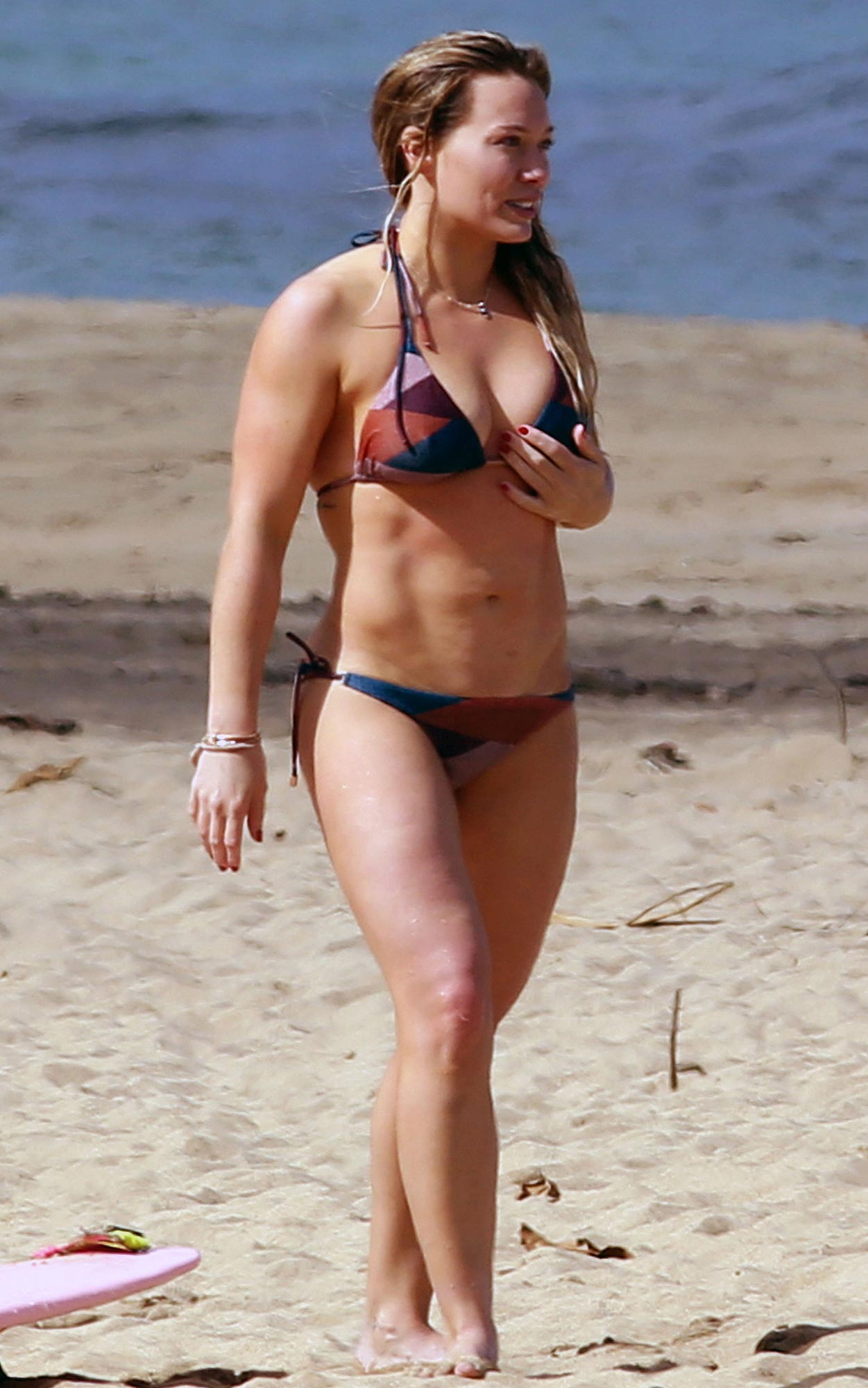 *PREMIUM EXCLUSIVE* Kauai, HI - Hilary Duff is spotted on a tropical holiday on the island of Kauai. The Actress/Singer enjoyed the warm weather on a 2 piece bikini, showing off a her great body. **MANDATORY CREDIT MUST READ: FameFlynet/AKM-GSI** AKM-GSI January 01, 2017 To License These Photos, Please Contact : Maria Buda (917) 242-1505 mbuda@akmgsi.com sales@akmgsi.com or Mark Satter (317) 691-9592 msatter@akmgsi.com sales@akmgsi.com www.akmgsi.com