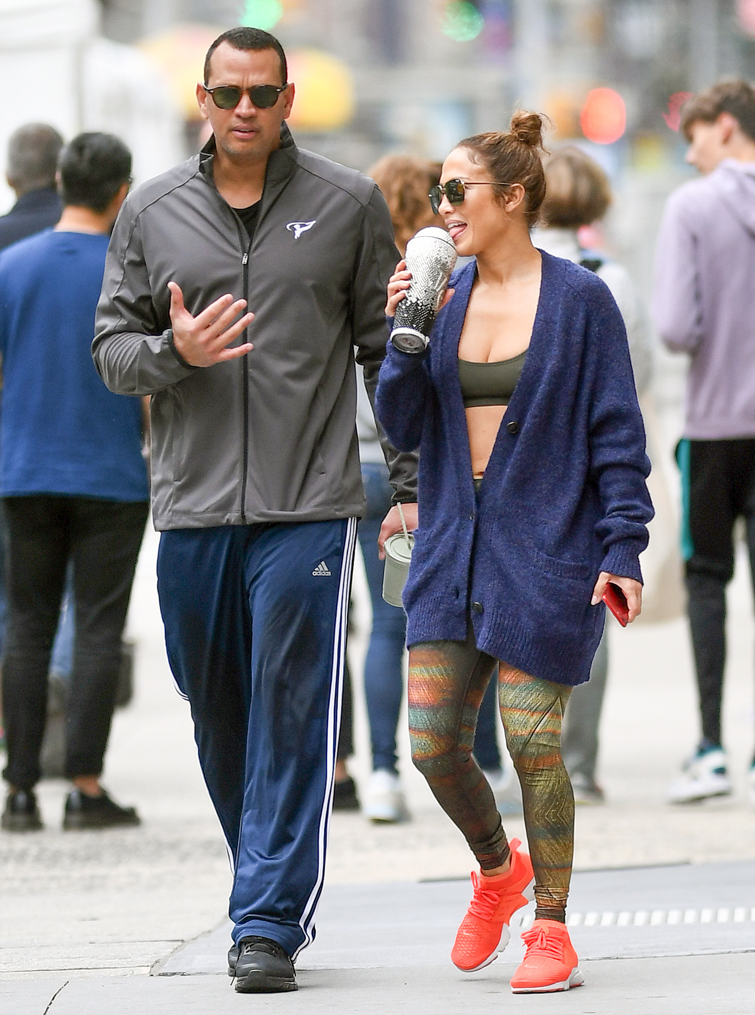 EXCLUSIVE: Jennifer Lopez and her boyfriend Arod heading back home after doing some work out at the gym