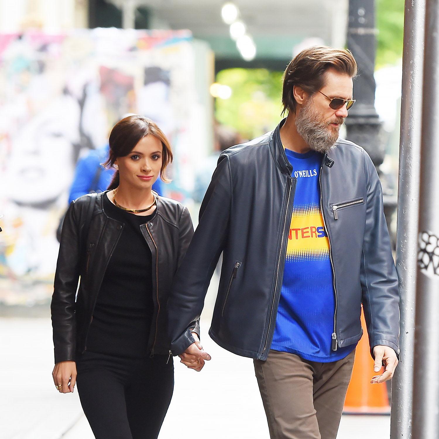 Jim Carrey and his girlfriend hold hands in SoHo