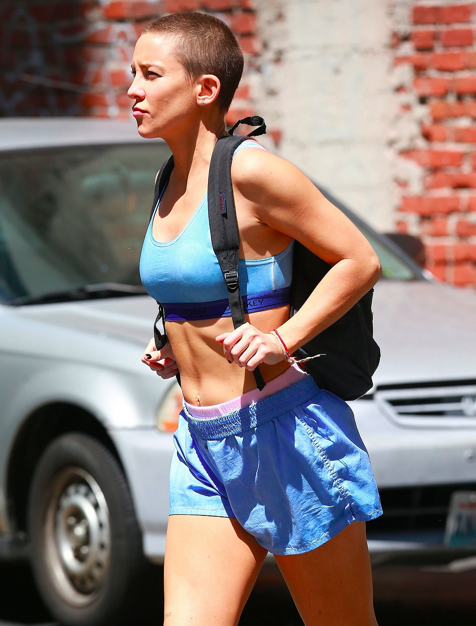 """*EXCLUSIVE* Kate Hudson gets sporty for """"Sister"""" Sia Project"""
