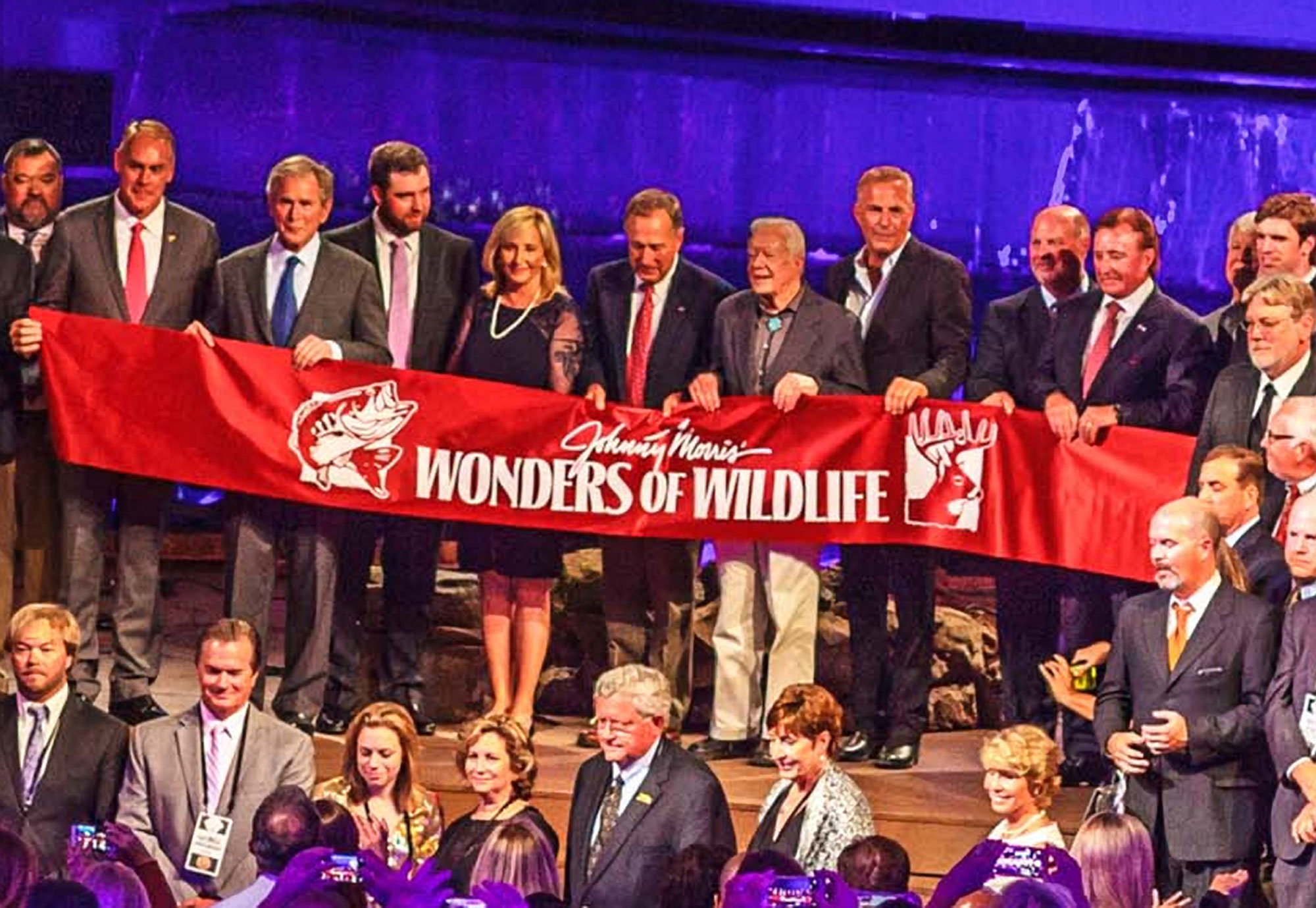 Mark Wahlberg Dives at the Grand Opening of Wonders of Wildlife National Museum and Aquarium