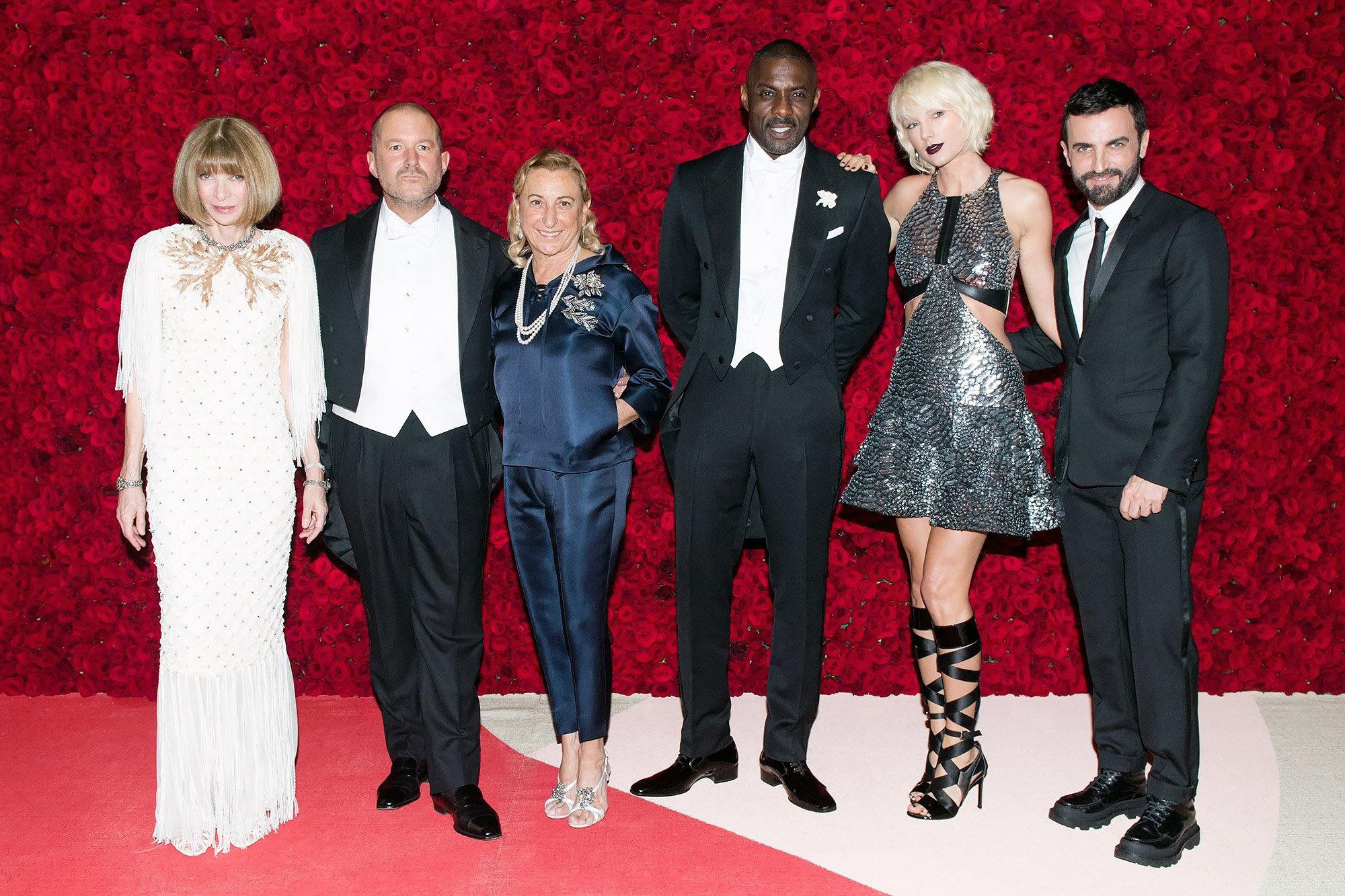 The Metropolitan Museum of Art's COSTUME INSTITUTE Benefit Celebrating the Opening of Manus x Machina: Fashion in an Age of Technology, Inside Arrivals, The Metropolitan Museum of Art, NYC, New York, America - 02 May 2016