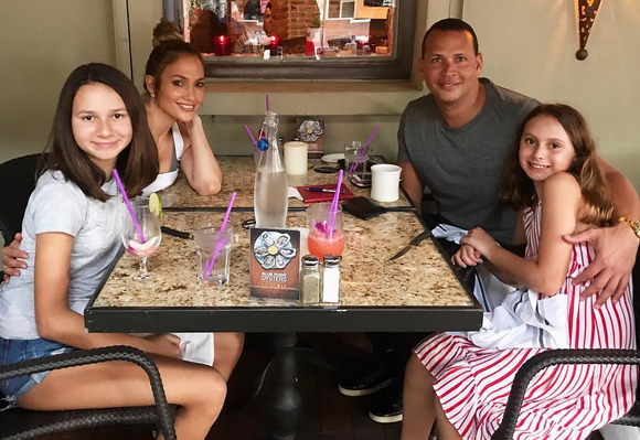 Jlo, A Rod and his daughters