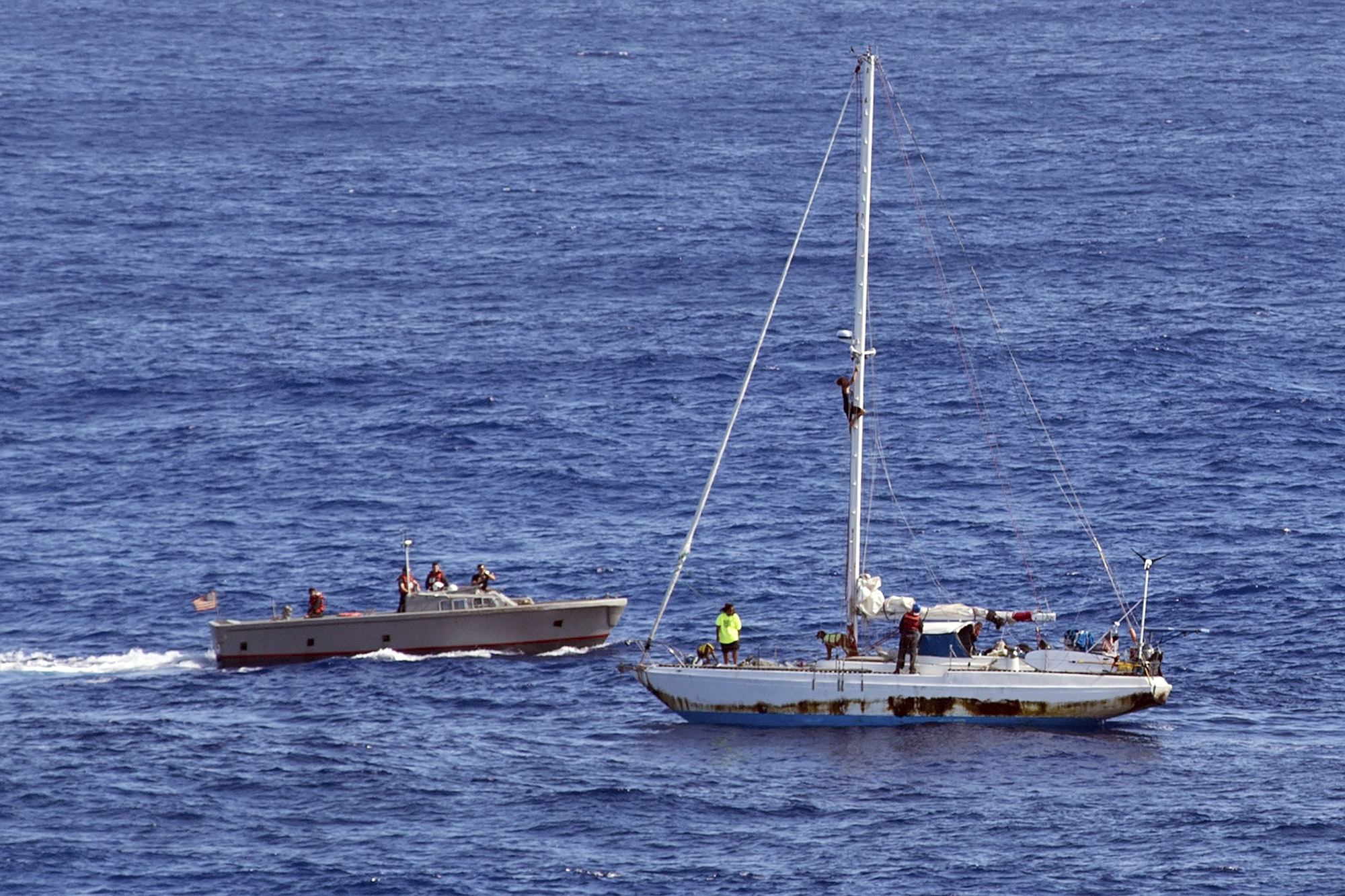 Hawaii Mariners Rescued - 25 Oct 2017