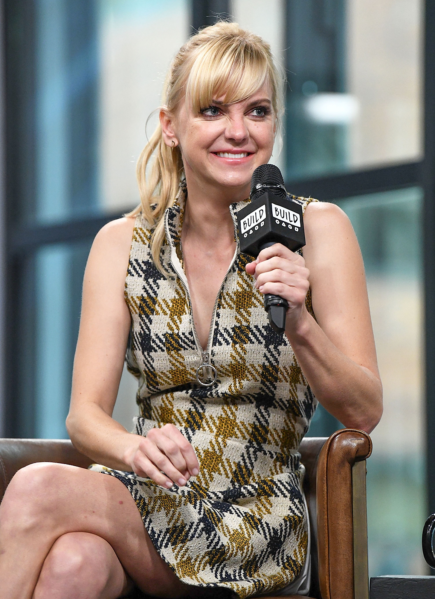 "Build Presents Anna Faris Discussing Her Podcast ""Unqualified"""