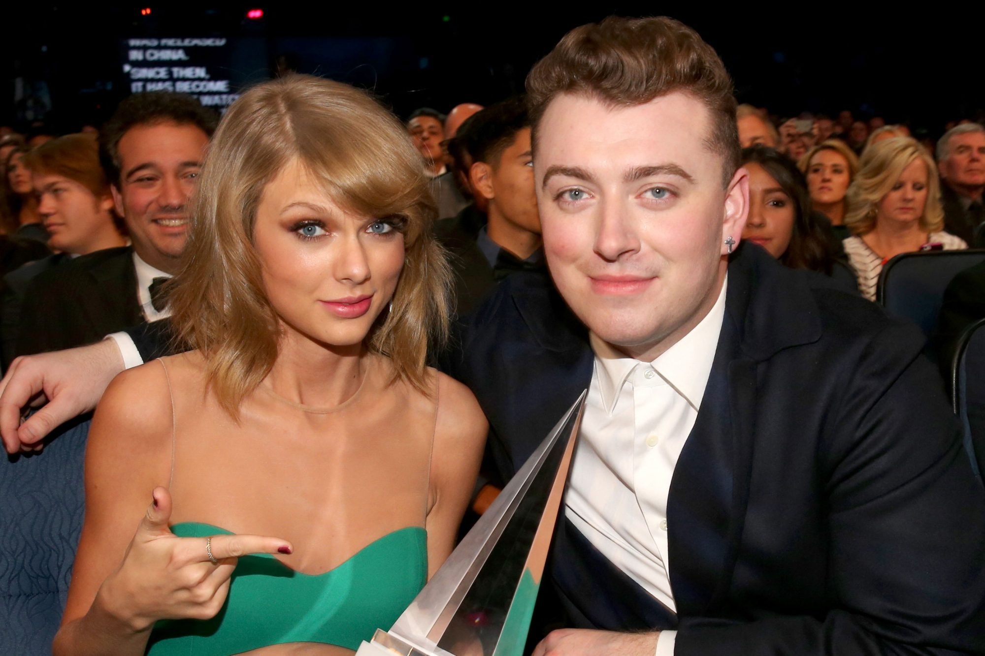 2014 American Music Awards - Backstage And Audience