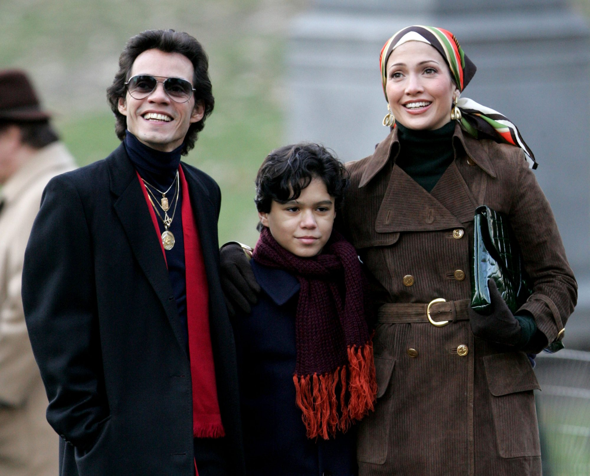 """Jennifer Lopez and Marc Anthony on Location for """"El Cantante"""" - January 4, 2006"""