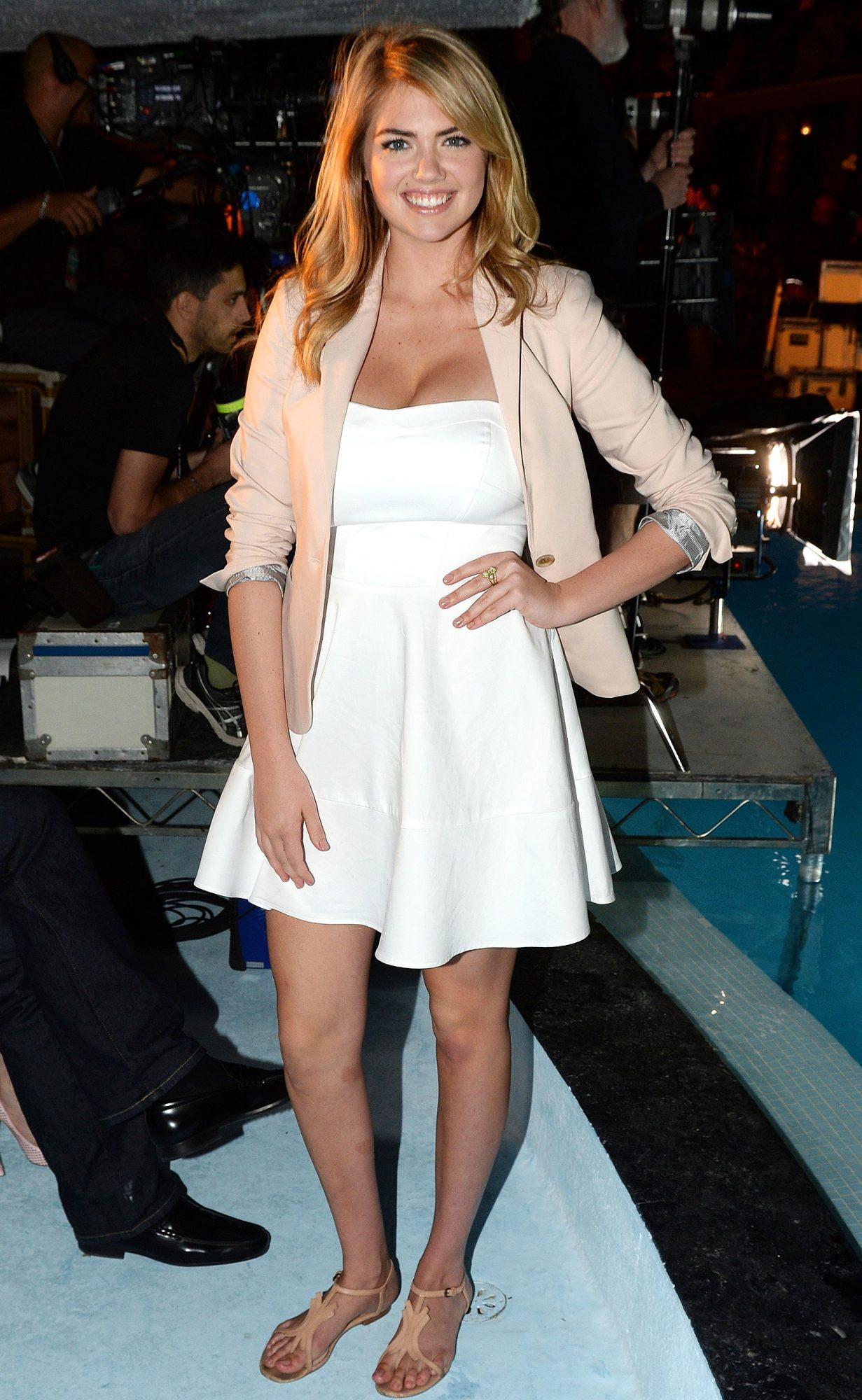 Kate Upton S Best White Dresses Ever People Com Kate upton pictures and photos. kate upton s best white dresses ever