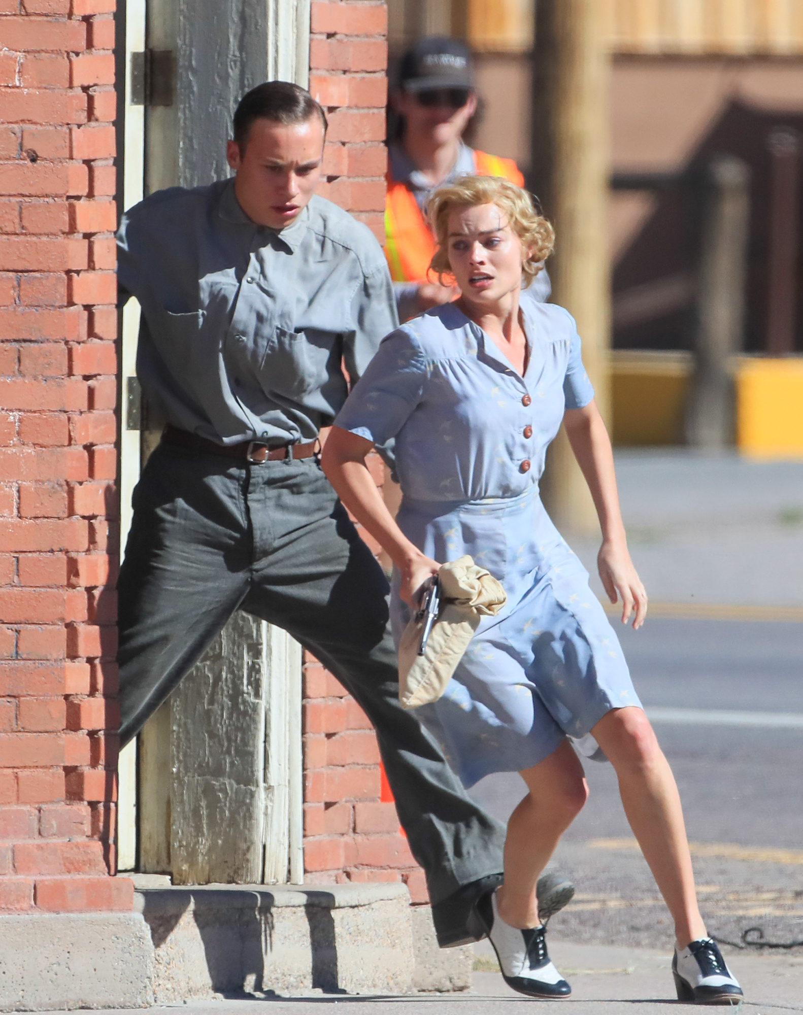 EXCLUSIVE: Margot Robbie and Finn Cole Kiss During a Bank Heist Scene in New Mexico for 'Dreamland'