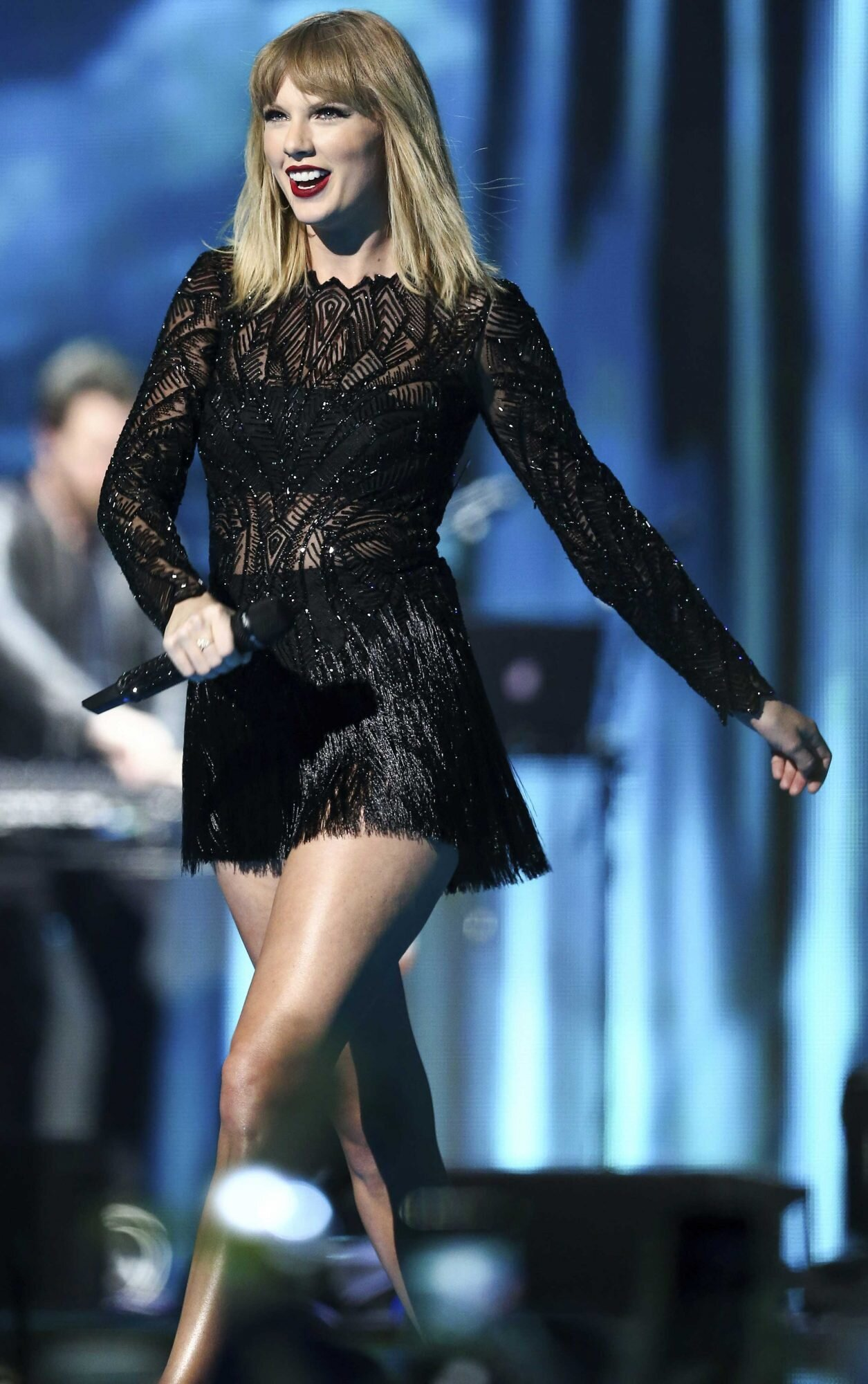 Taylor Swift Performs At Pre Party In Houston People Com