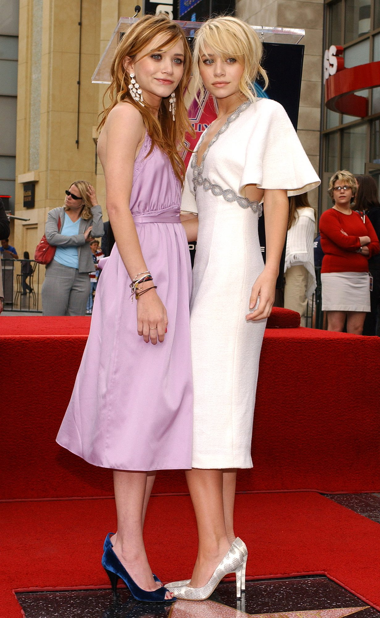 Ashley and Mary-Kate Olsen Get A Star On The Walk of Fame