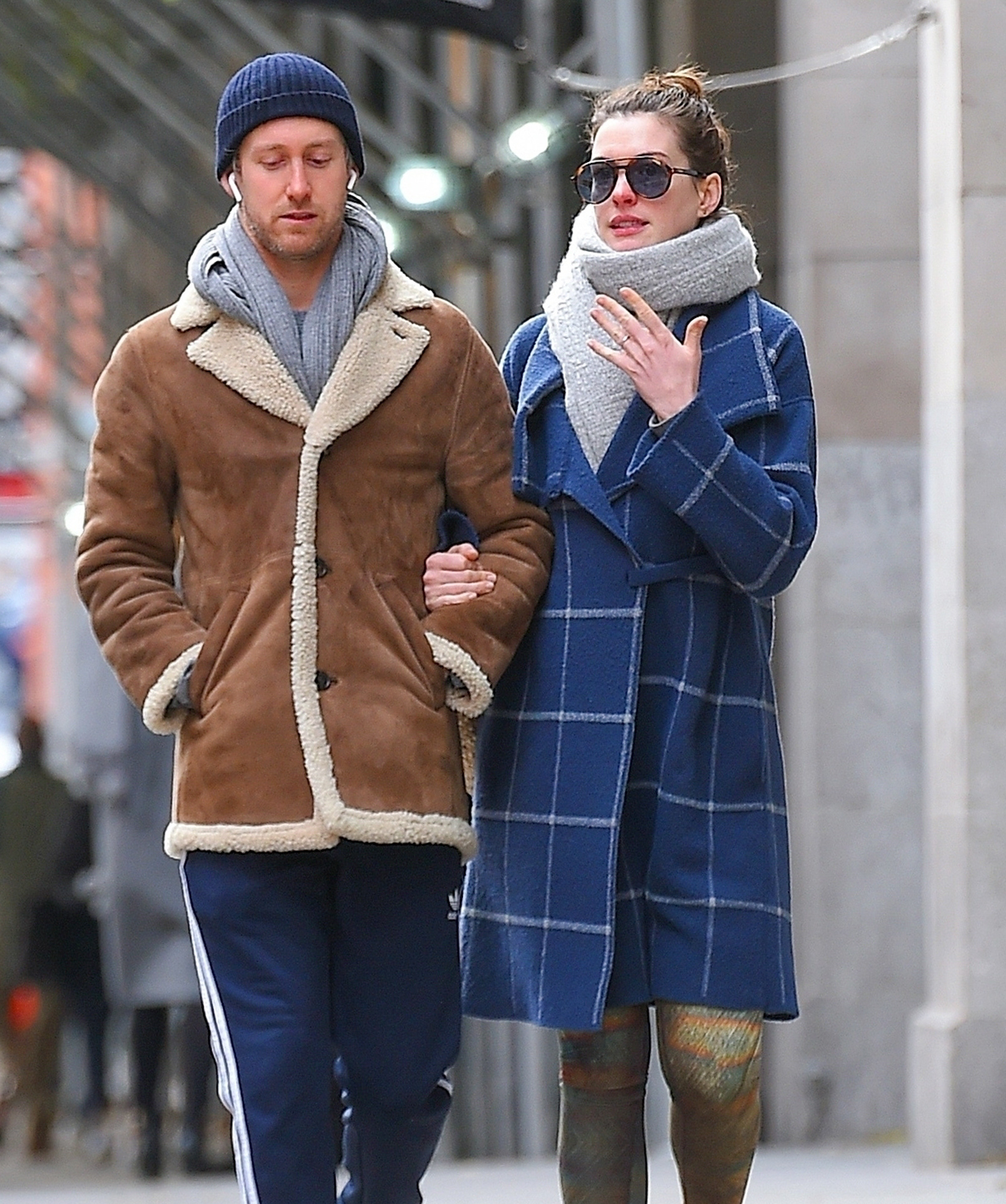 *EXCLUSIVE* Anne Hathaway and Adam Shulman head to the gym together