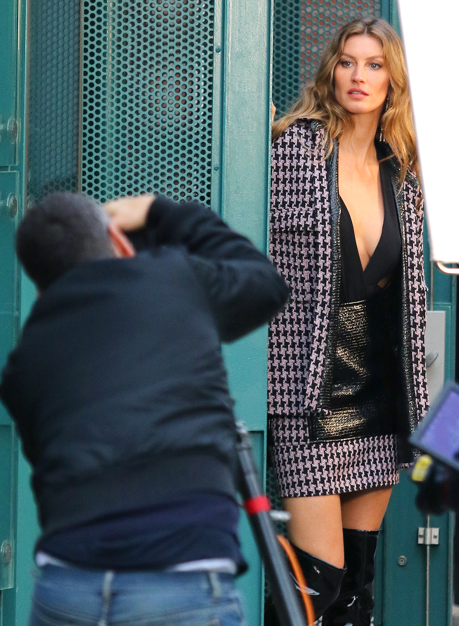 Gisele Bundchen back to modeling for a photoshoot on the streets of Brooklyn, NY