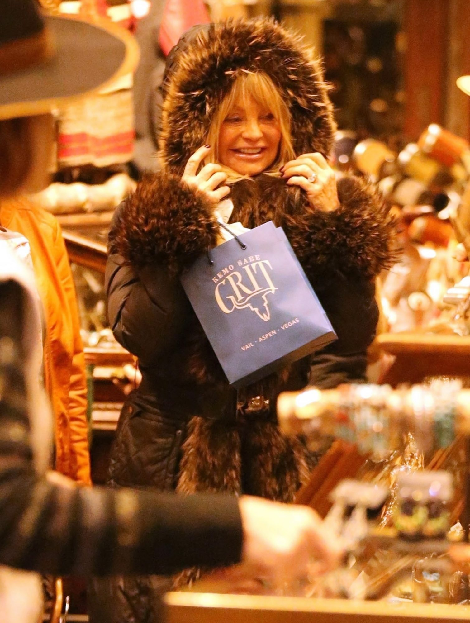 *EXCLUSIVE* Kurt Russell and Goldie Hawn look great as they spend a very snowy day out shopping