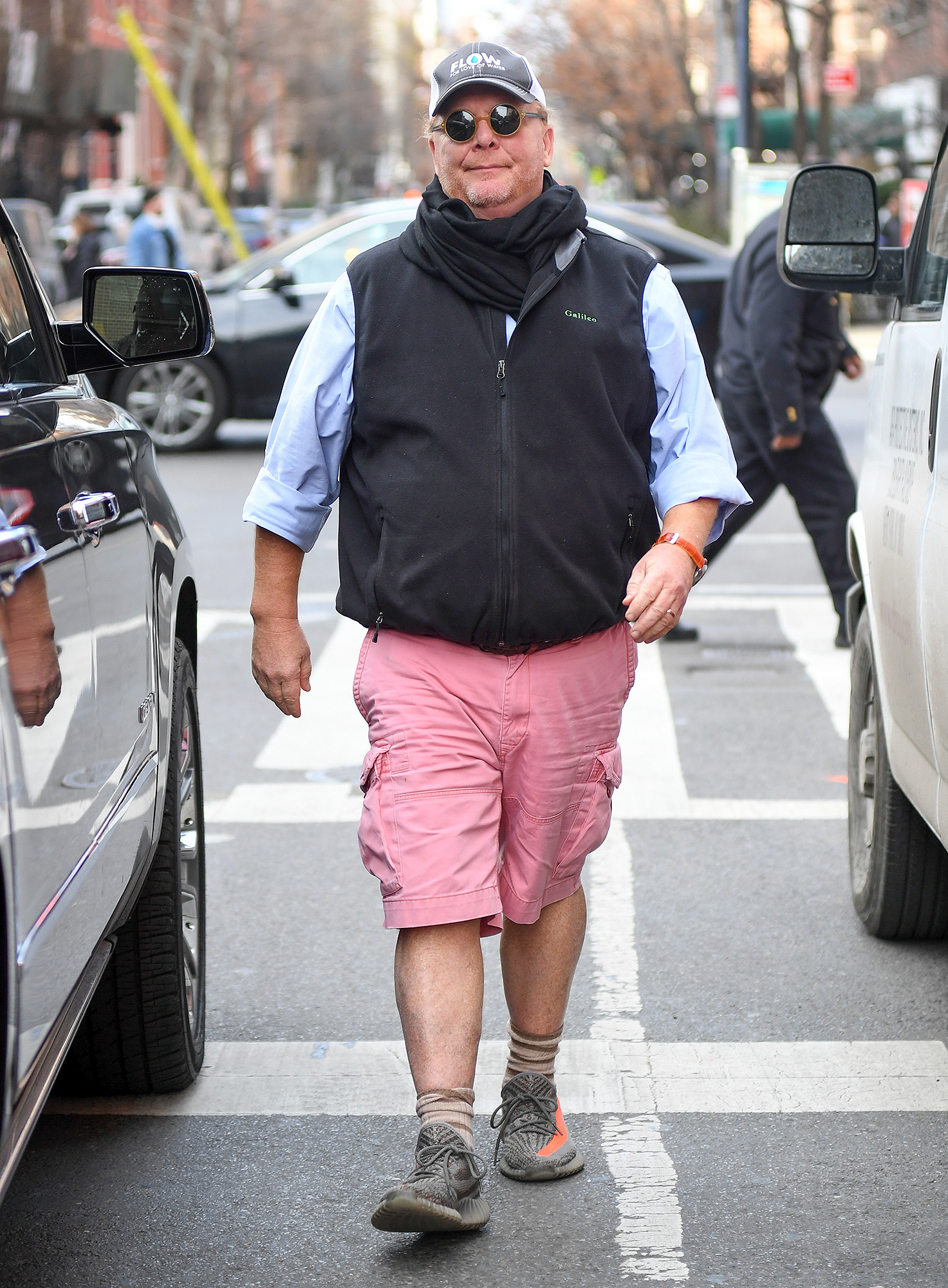 EXCLUSIVE: **NO ONLINE USE UNTIL 3:00AM ET December 21, 2017** NO NY PAPERS Mario Batali spotted for the fist time all smiles while heading for lunch this morning amid allegations of harassing woman
