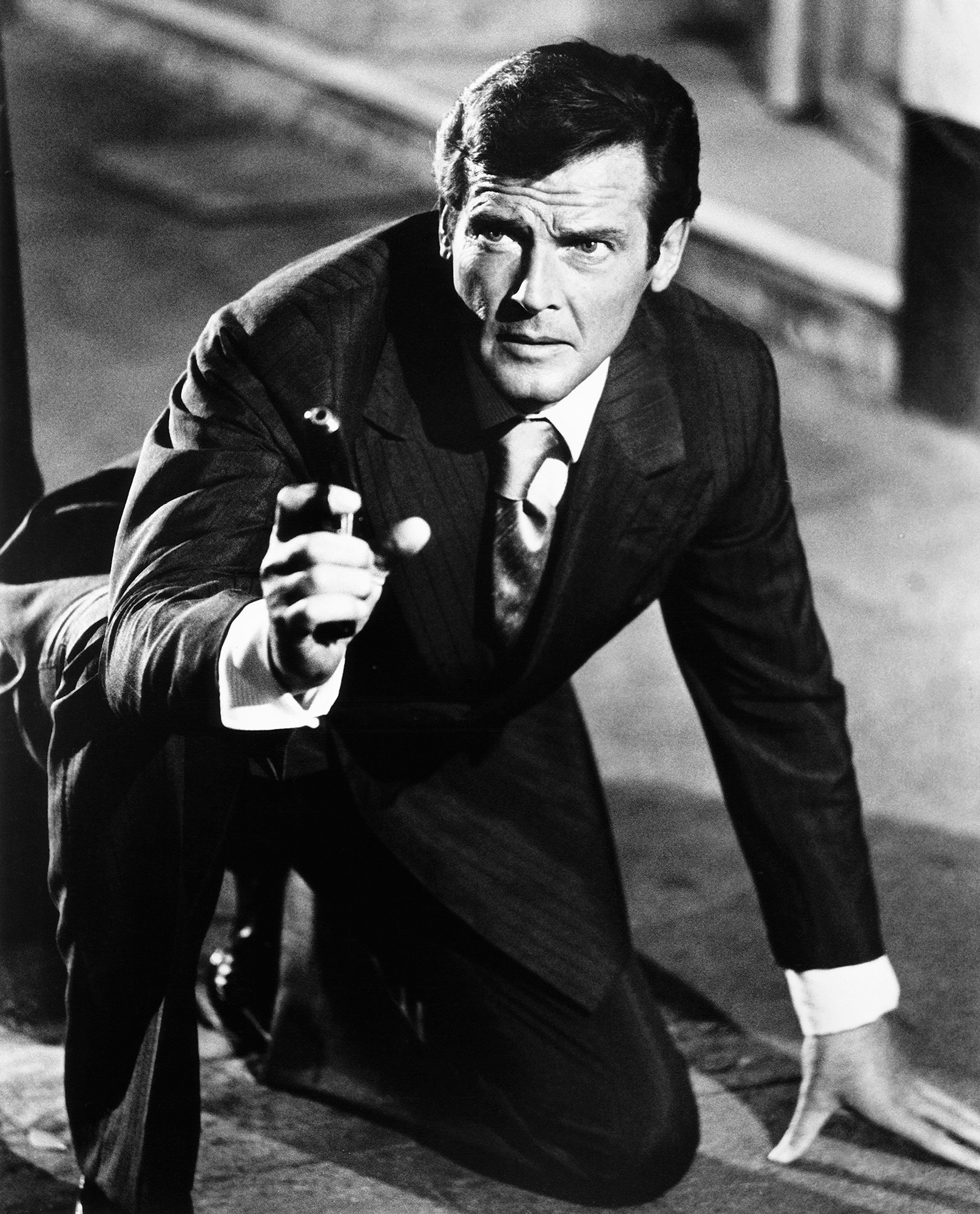 THE MAN WITH THE GOLDEN GUN, Roger Moore, 1974