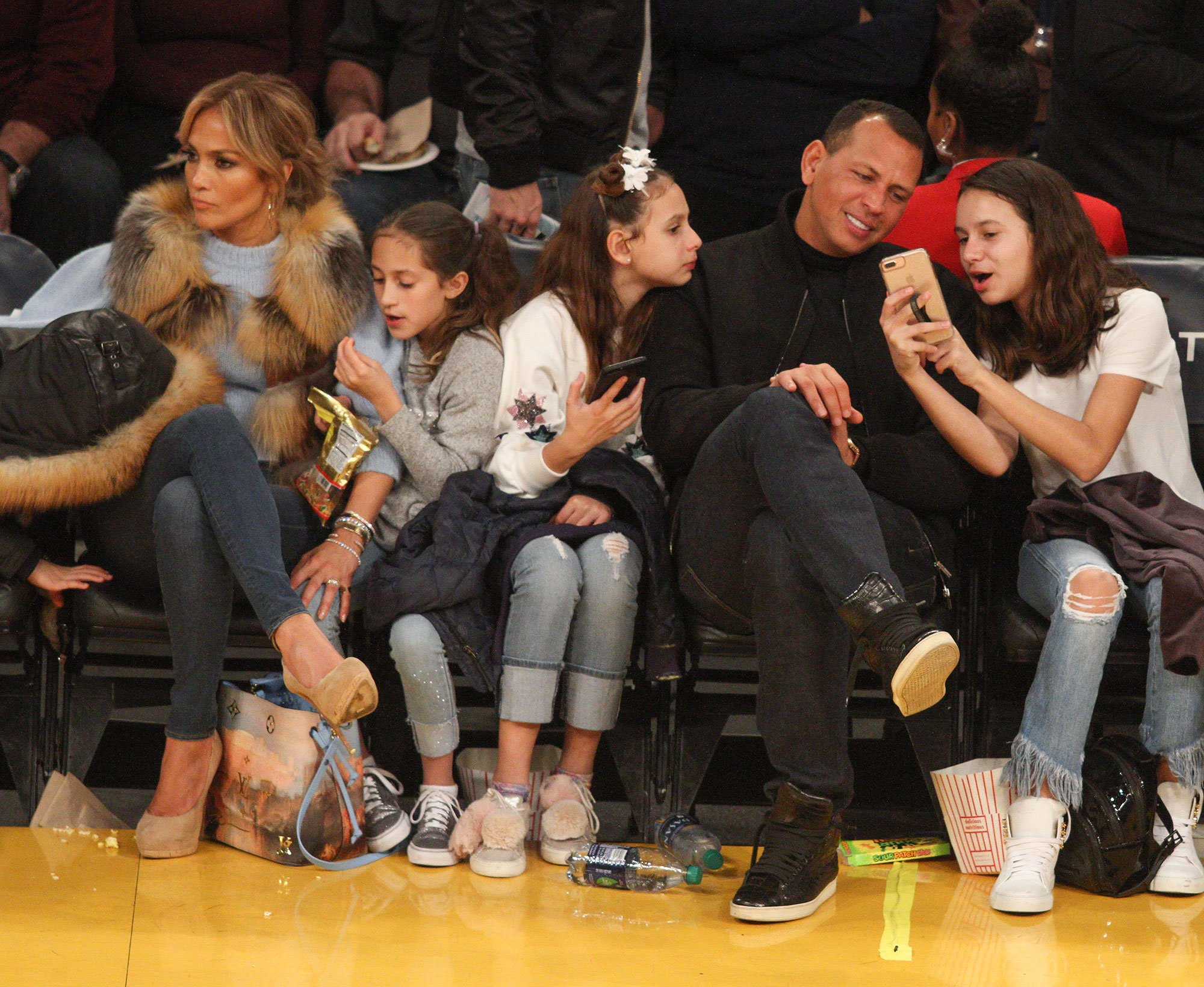 J Lo and A-Rod with the kids love the Lakers