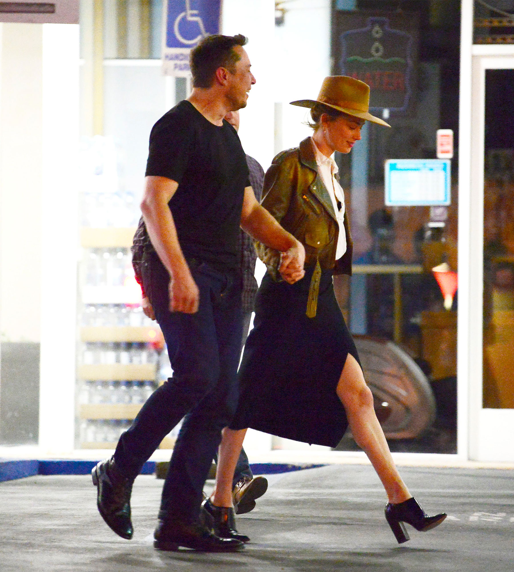 EXCLUSIVE: ** PREMIUM RATES APPLY** Elon Musk and Amber Heard enjoy a romantic date night in Los Angeles!