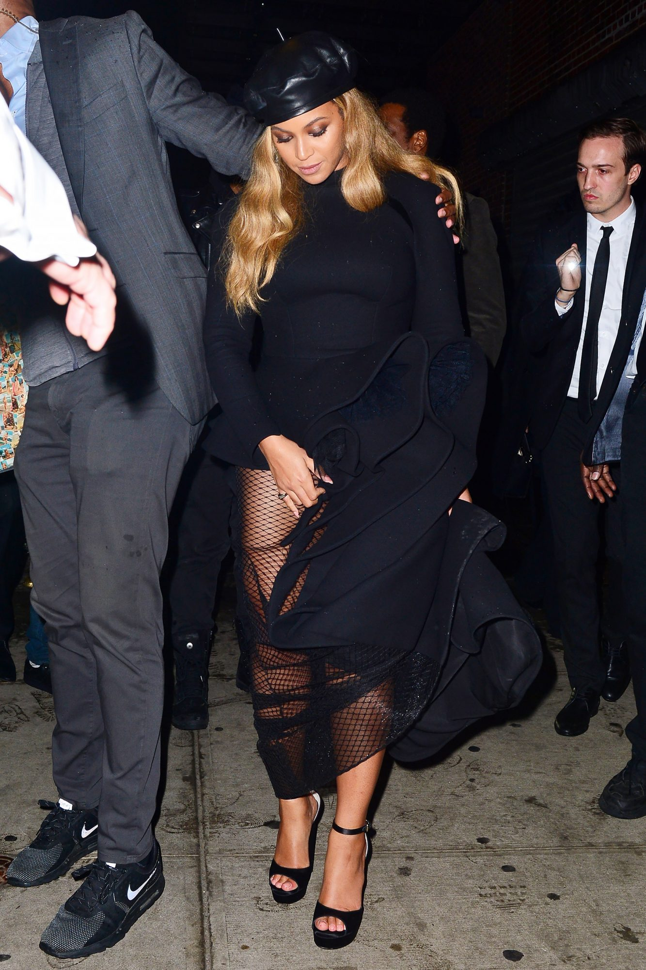 Beyonce rocks a beret as she steps out with Jay Z at Catch NYC