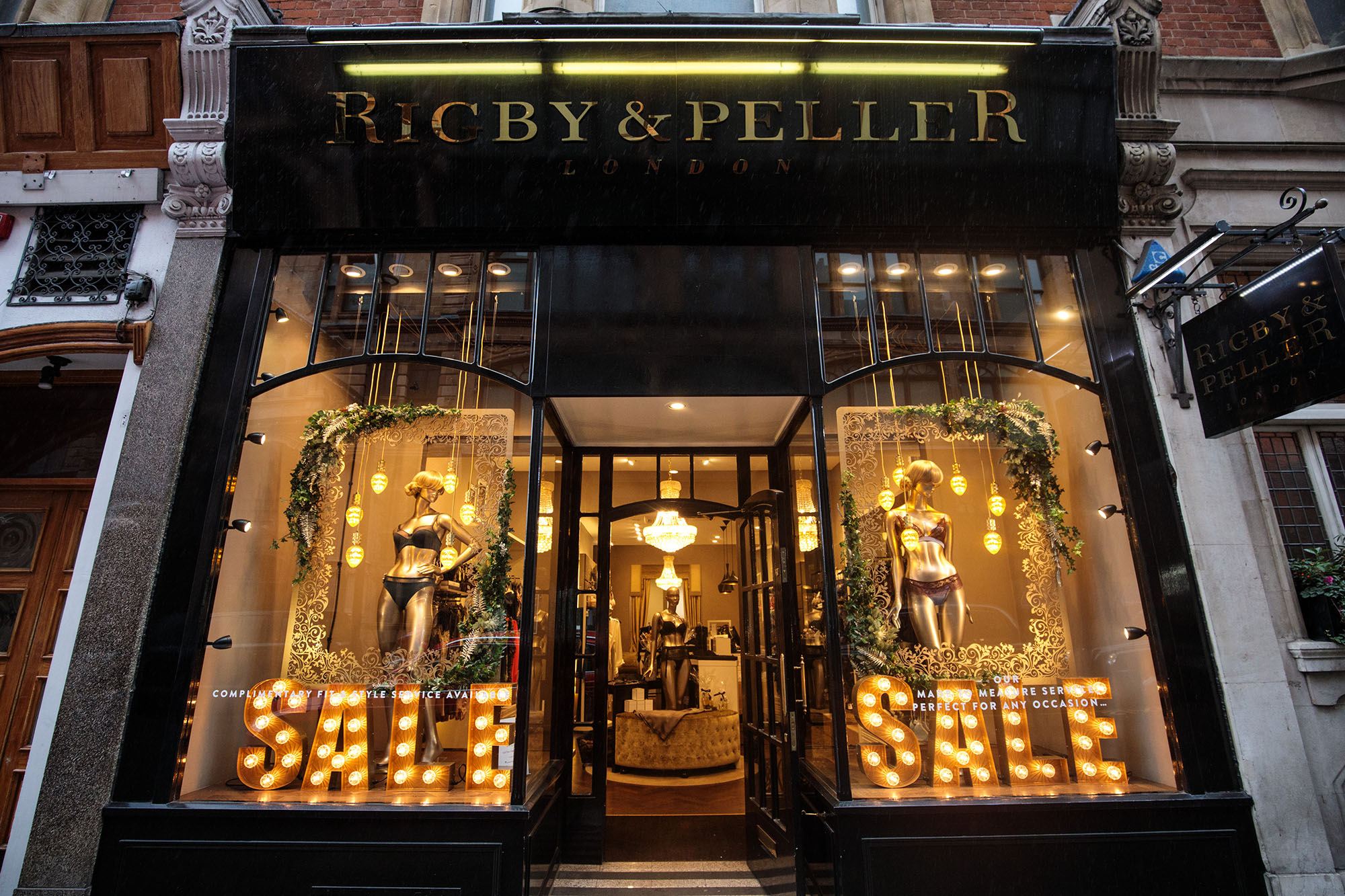Rigby & Peller Lose Royal Warrent Over Former Owner's Tell-All Book