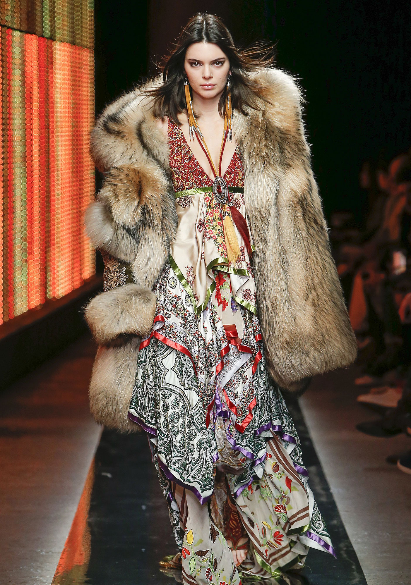 MFW-  Kendall Jenner and Bella Hadid the runway DSQUARED 2 - Milan Fashion Week