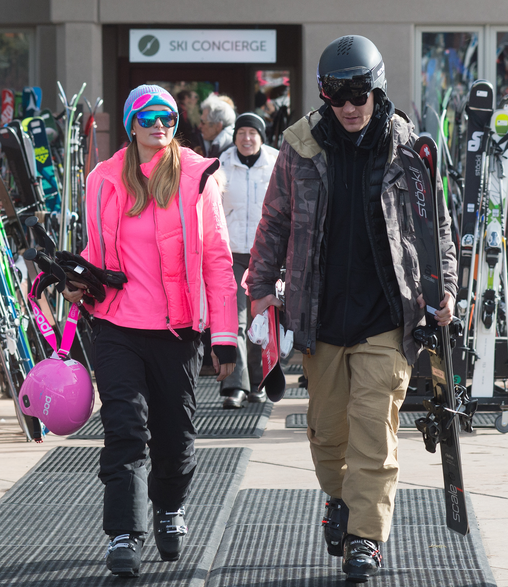 EXCLUSIVE: Paris Hilton and Her Boyfriend Chris Zylka are Pictured Heading to go Skiing in Aspen, Colorado.