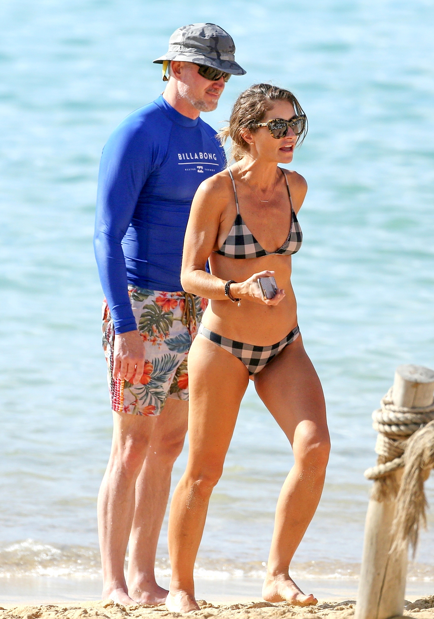 Rebecca Gayheart puts her Holiday Suit on for Eric Dane in Hawaii
