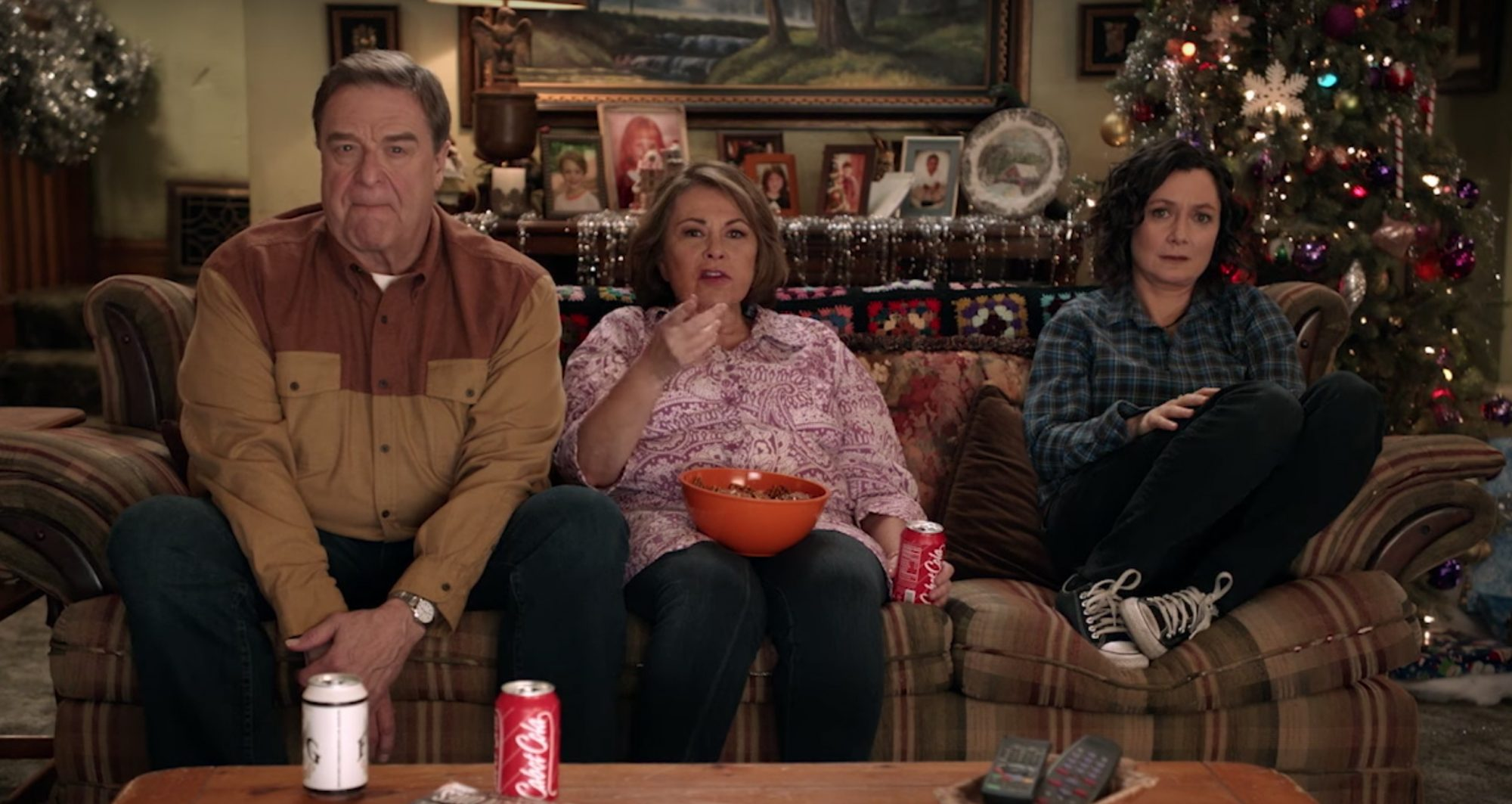John Goodman, Roseanne Barr and Sara Gilbert in Roseanne  Credit ABC