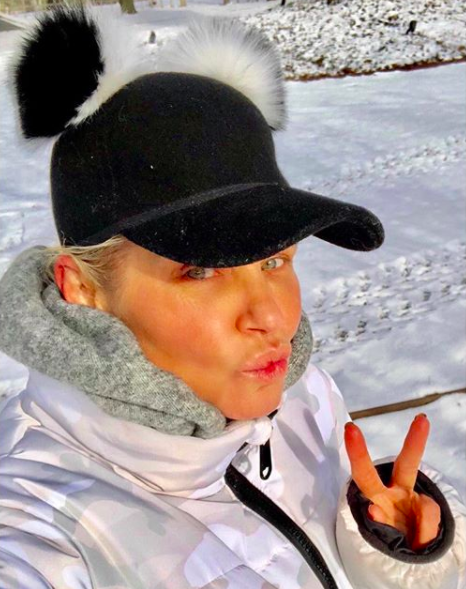 yolanda-hadid-snow-day