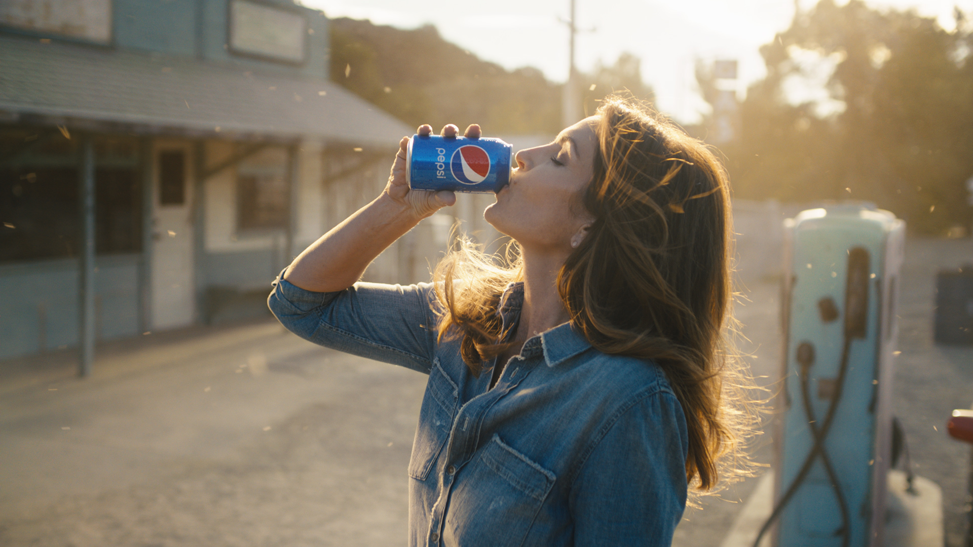 """Cindy Crawford in """"This Is The Pepsi"""" 2018 """"Pepsi Generations"""" TV Advertisement"""