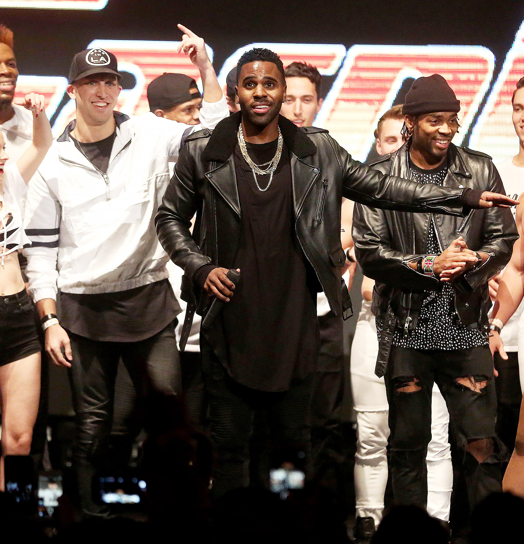 **EXCLUSIVE**  Photo Credit: MOVI Inc.  Date: January 29th 2018FOR GLOBAL SALES CALL (U.S) 310 739 4693 OR EMAIL contact@movi-inc.comSuprise! Jason Derulo takes to the stage alongside celebrity choreographer Matt Steffanina to bust some moves at The Carn