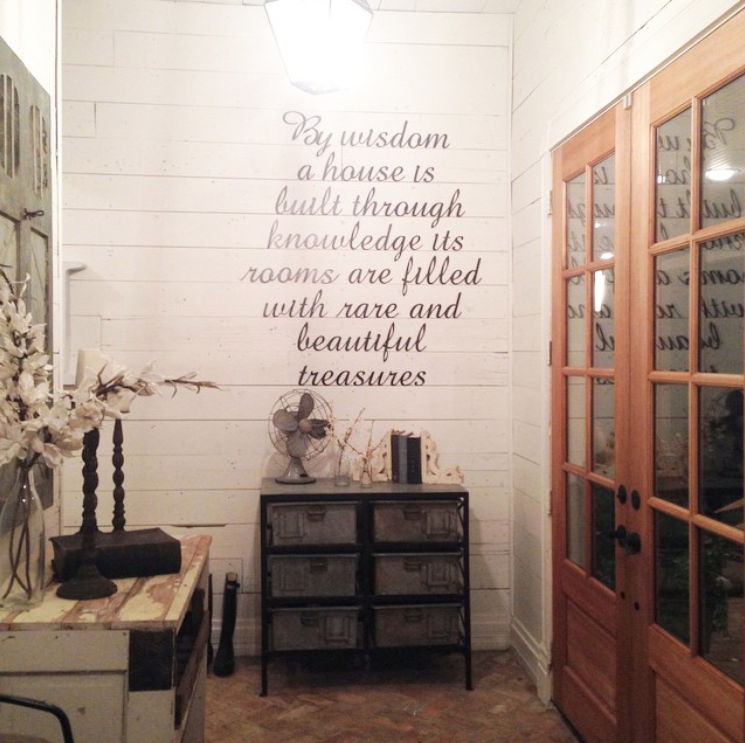 joanna-gaines-interior-2014-wall-quote